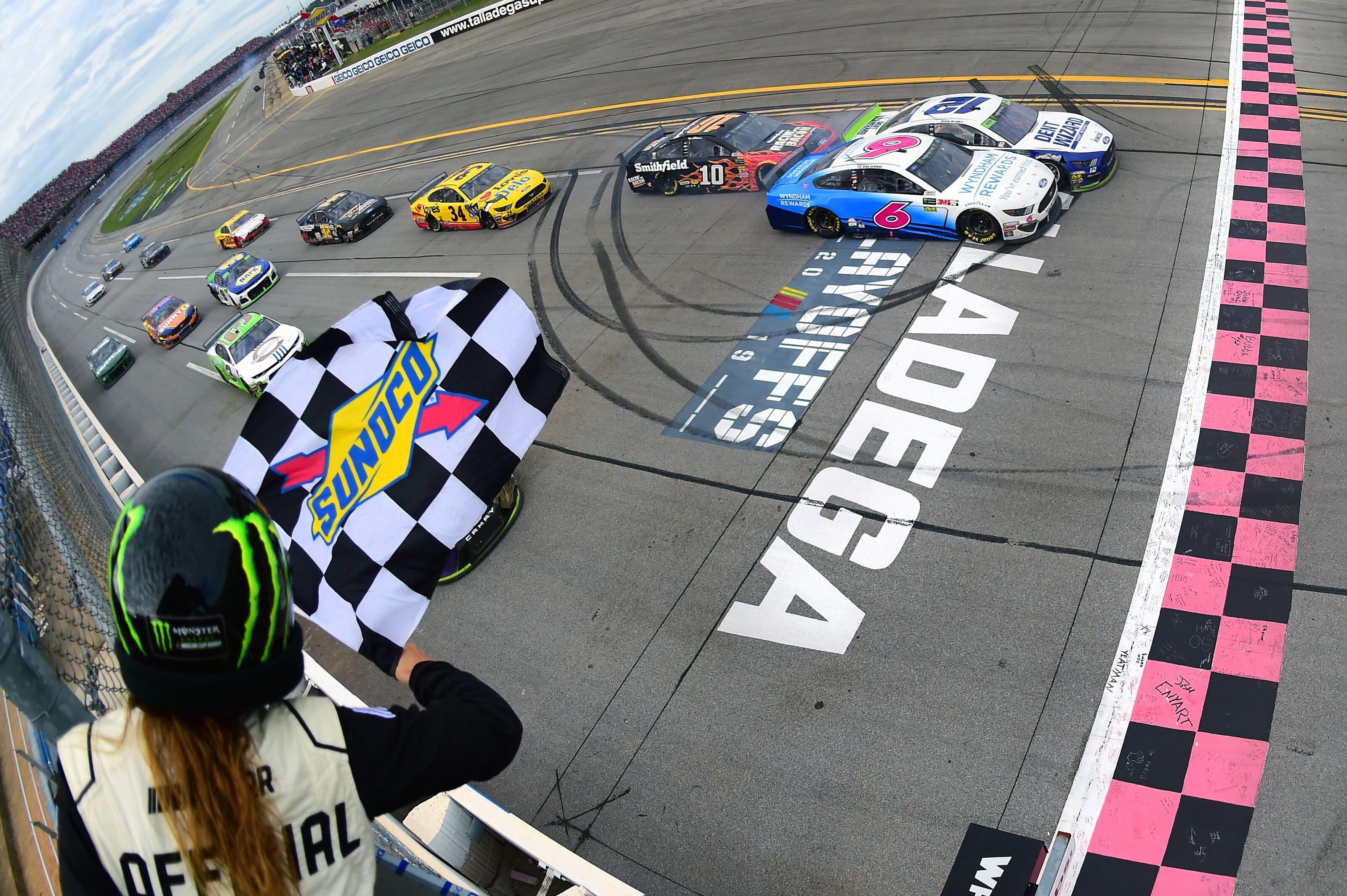 NASCAR Cup Series: Ryan Blaney wins 2019 1000Bulbs.com 500 in photo finish