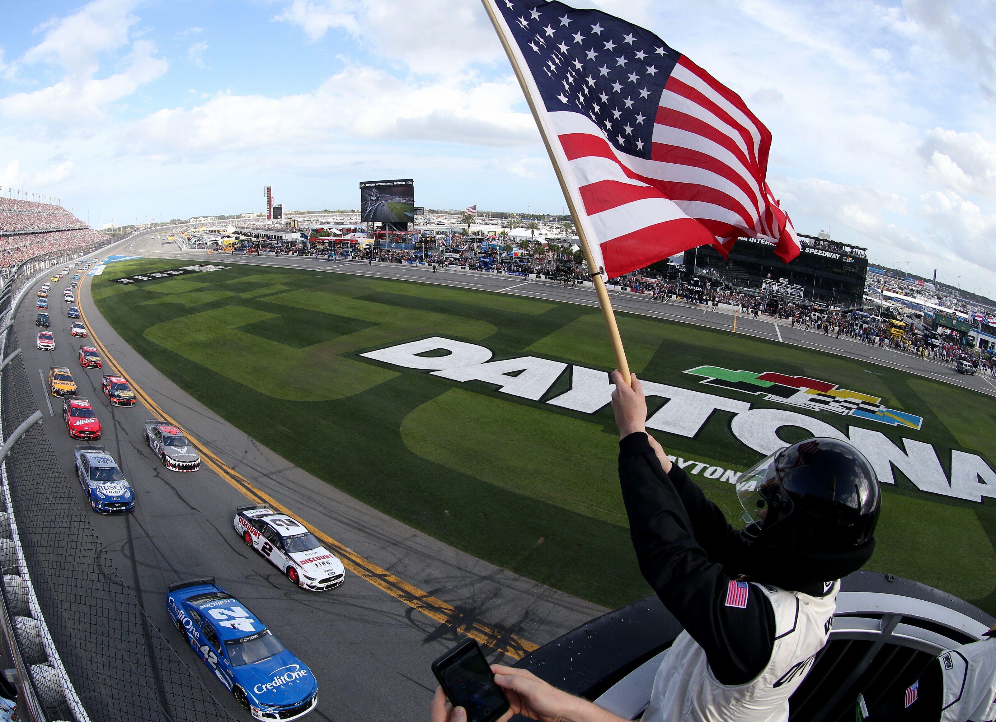 NASCAR: Daytona 500 postponed to Monday after 20 laps