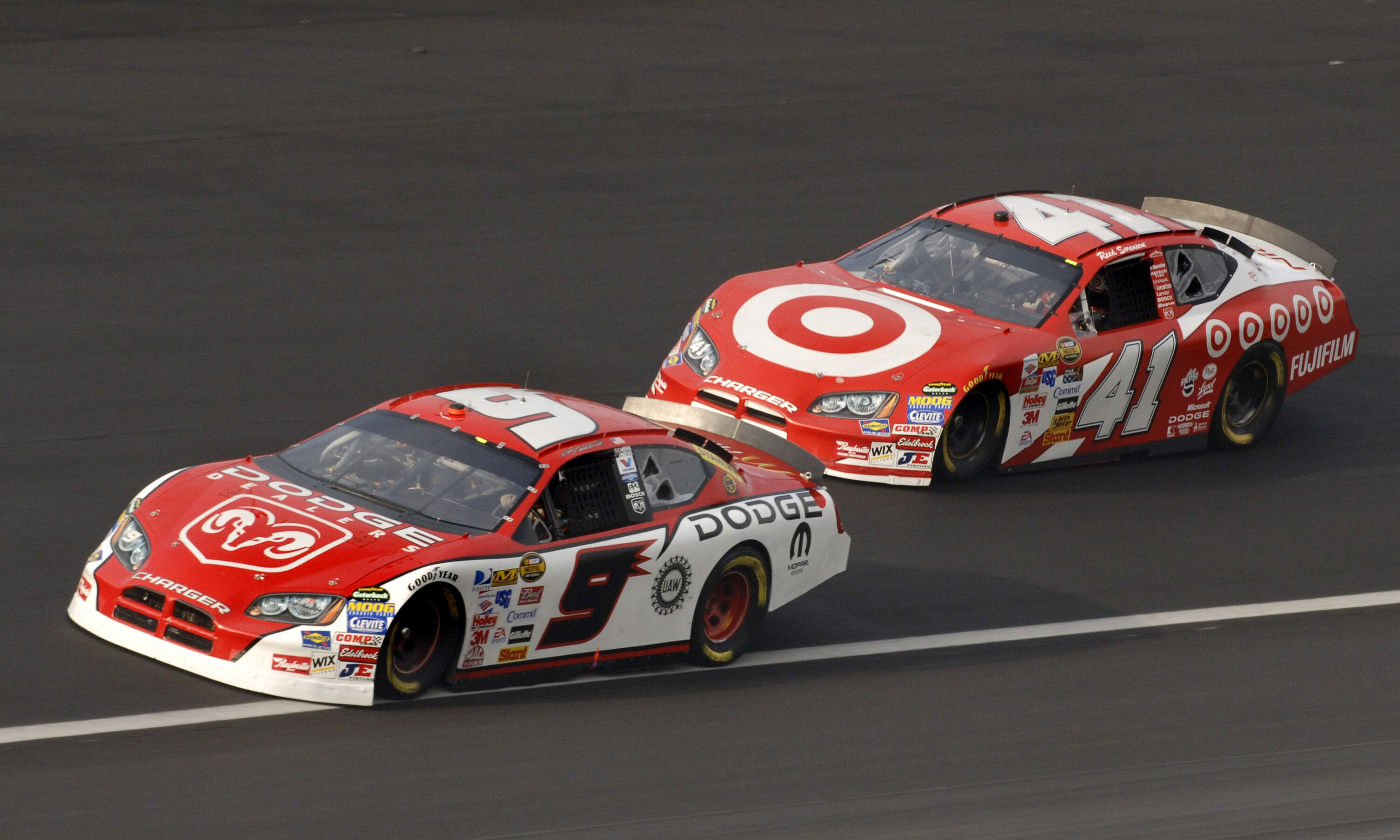 Nascar Manufacturers Dodge And Nissan Will Have To Wait Until 2020