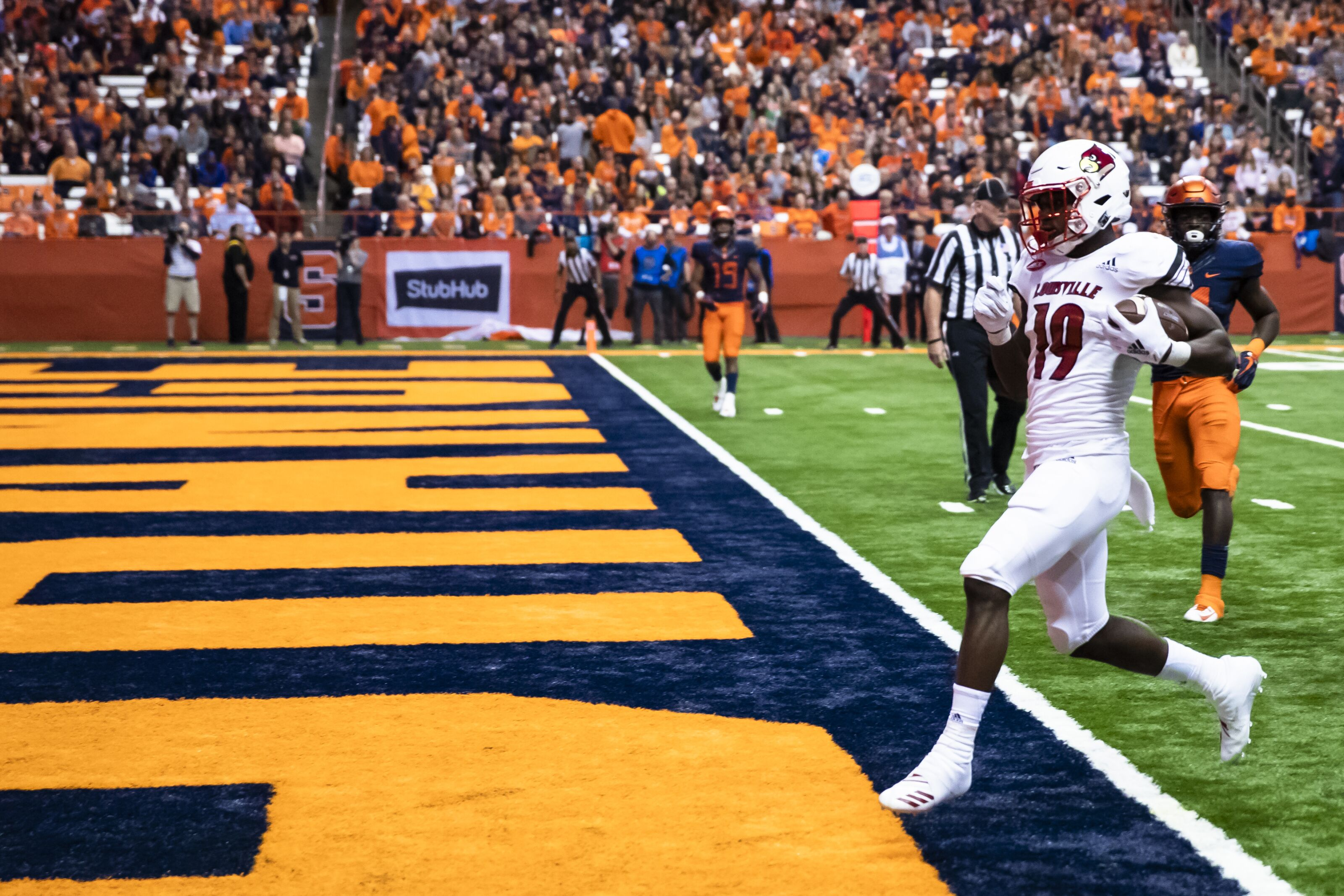 Louisville football: 5 Cardinals to buy stock in this offseason