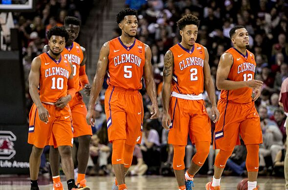 new product 8d973 c57b4 Louisville Basketball: 5 Crucial Questions For The Clemson ...