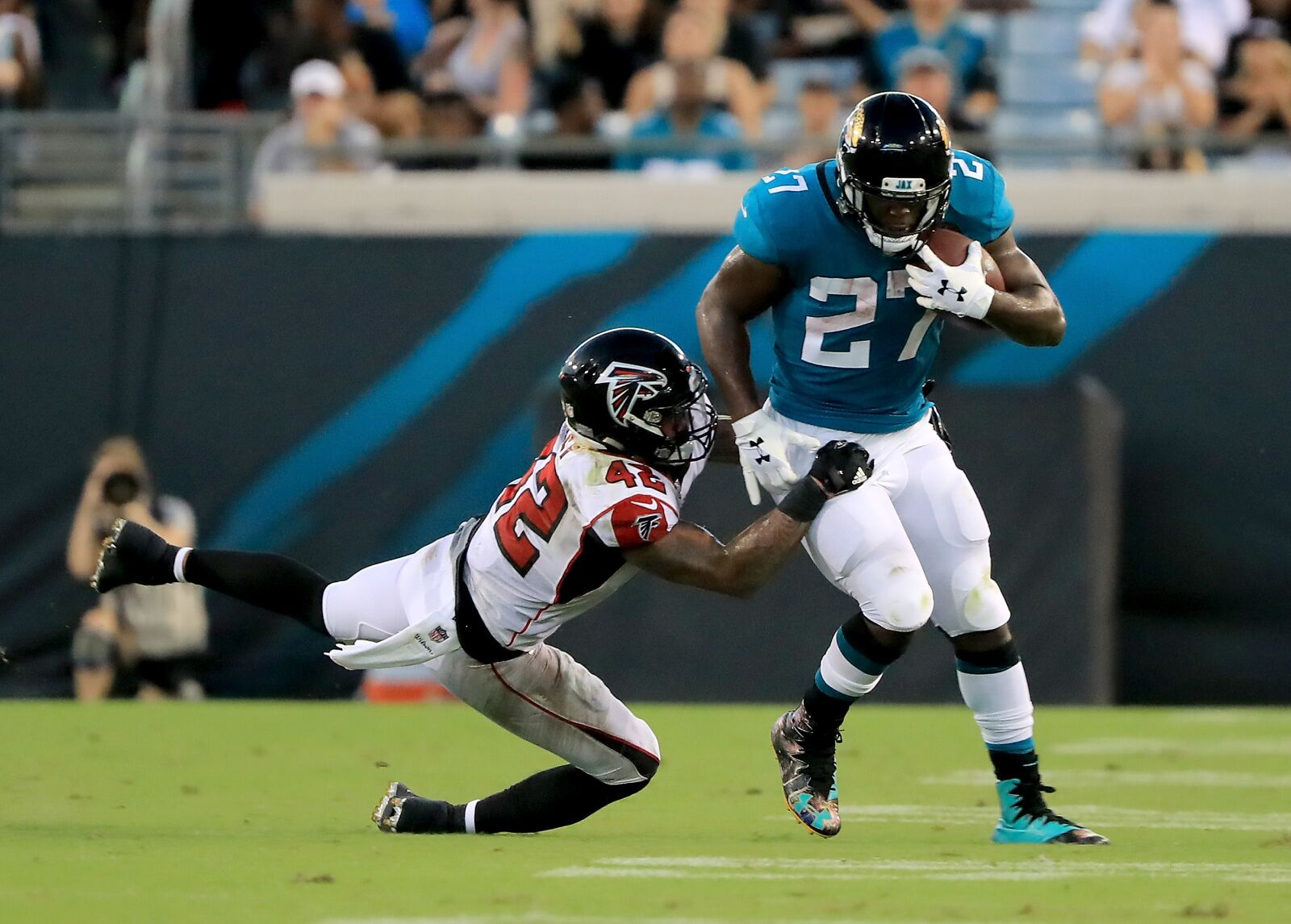 38359e0a The Jacksonville Jaguars Defense Smothered the Atlanta Falcons
