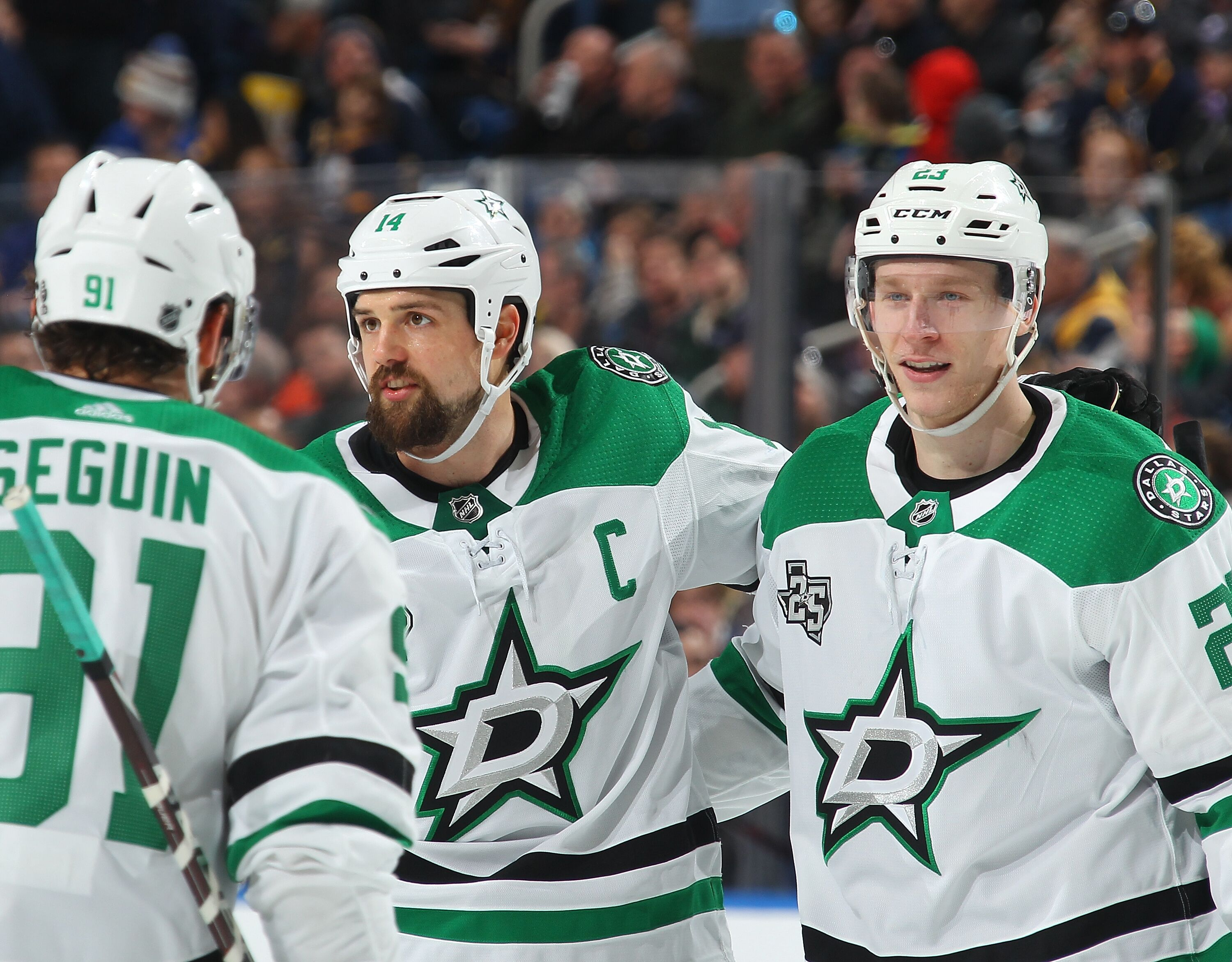 907723570-dallas-stars-v-buffalo-sabres.jpg