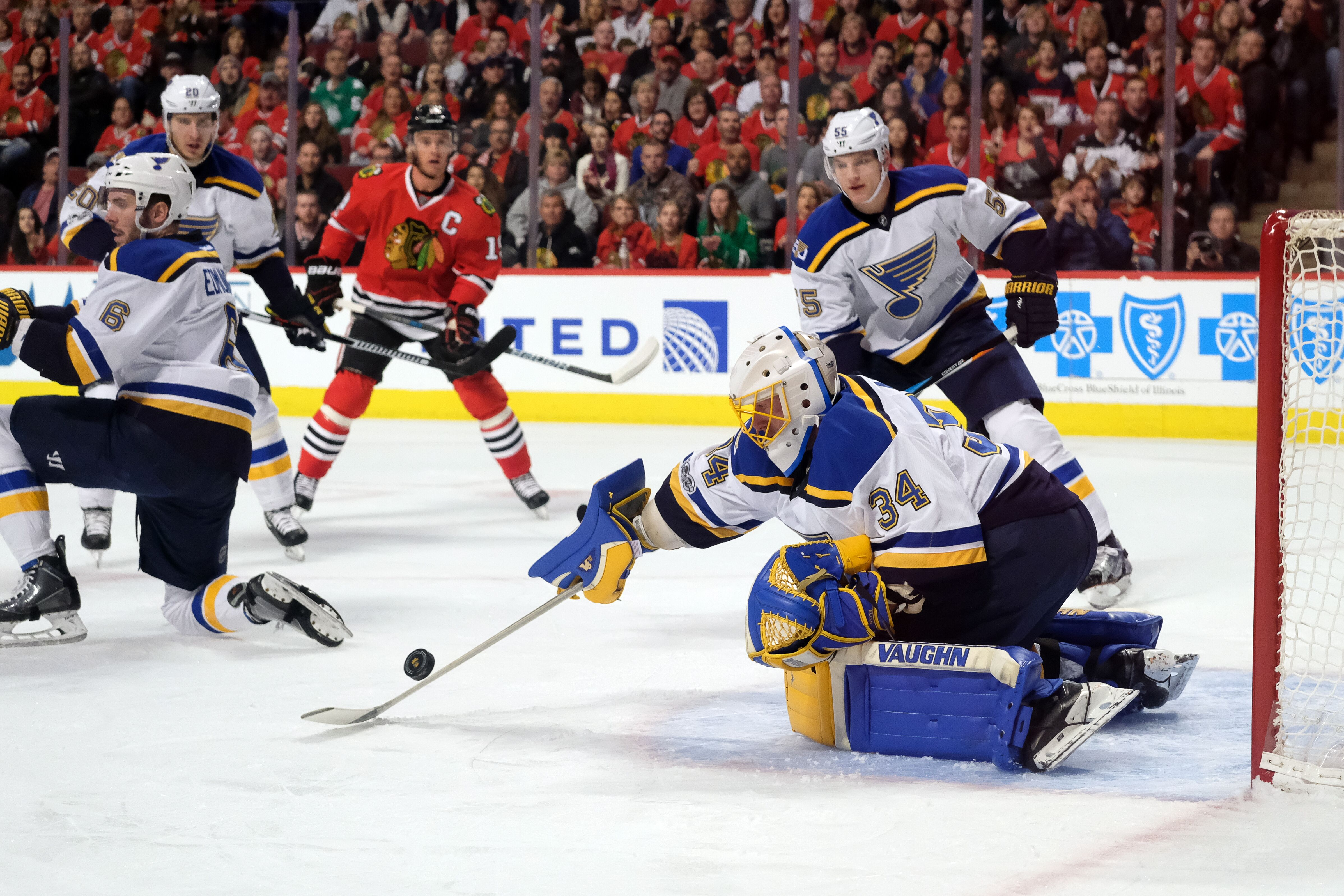 647863814-nhl-feb-26-blues-at-blackhawks.jpg