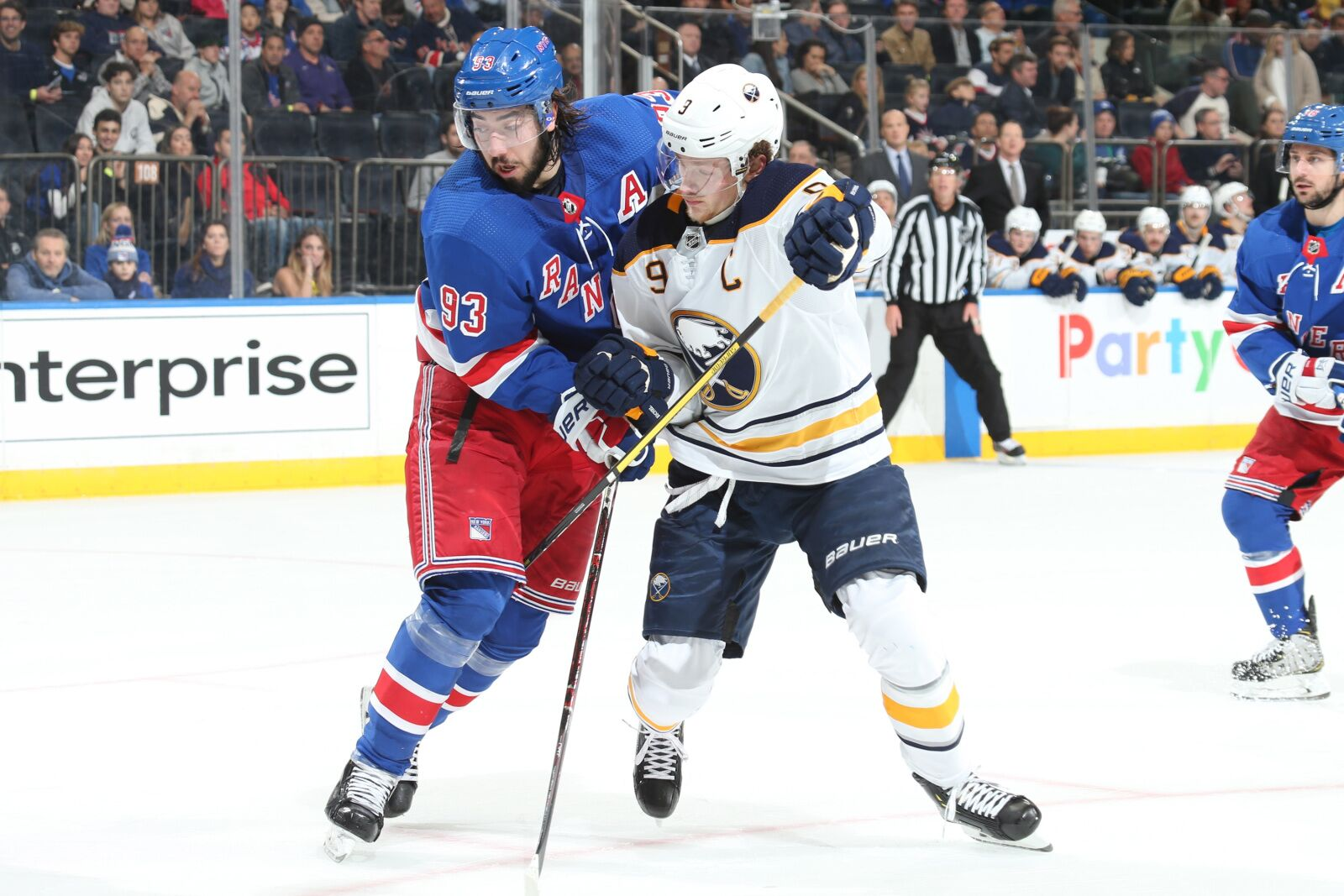 New York Rangers vs Buffalo Sabres: Join the live conversation!