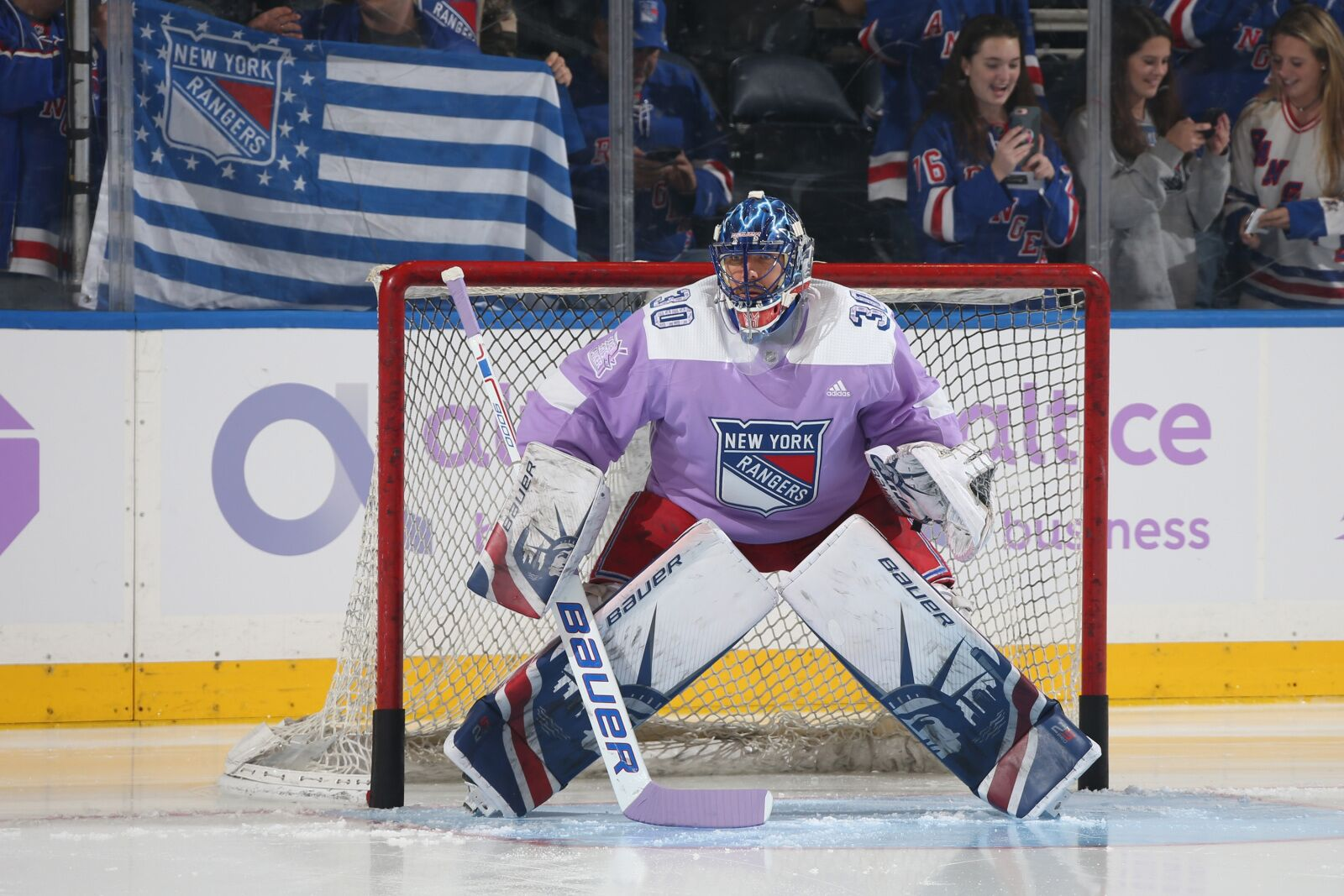 New York Rangers Henrik Lundqvist A Finalist For King Clancy Award