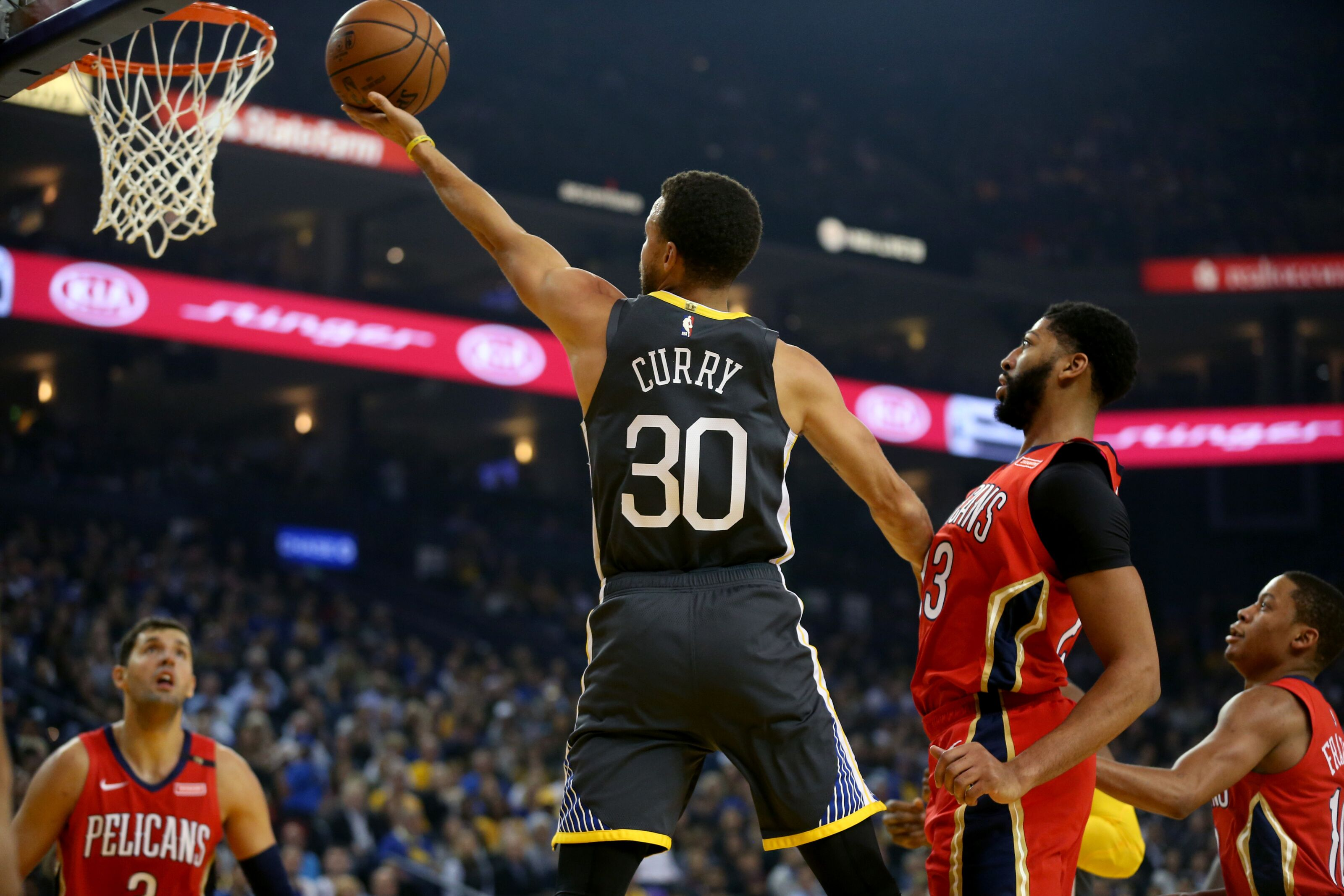 Anthony Davis trade puts Golden State Warriors in danger