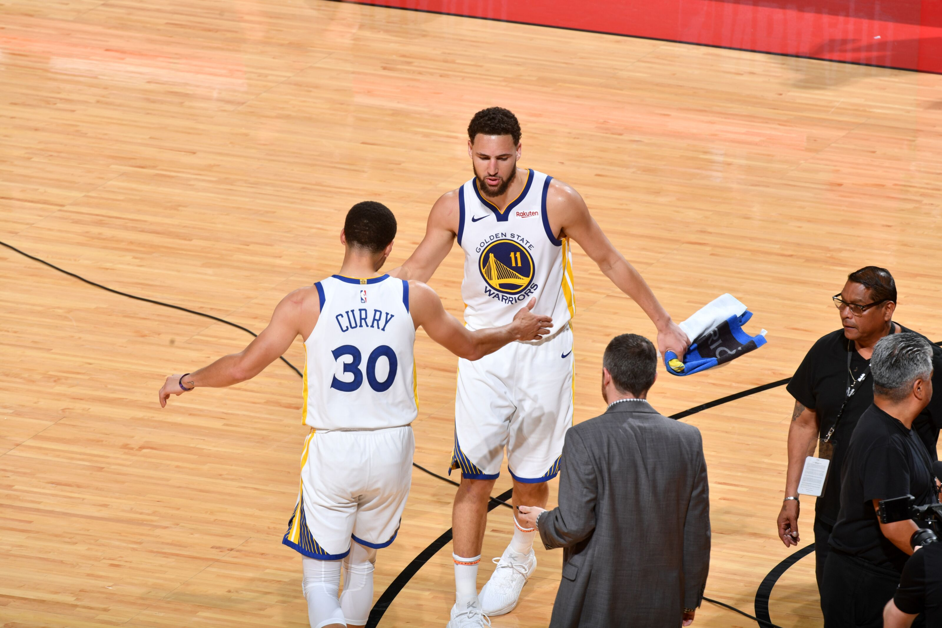 f7a472517 Golden State Warriors  Ball movement won the game against Houston