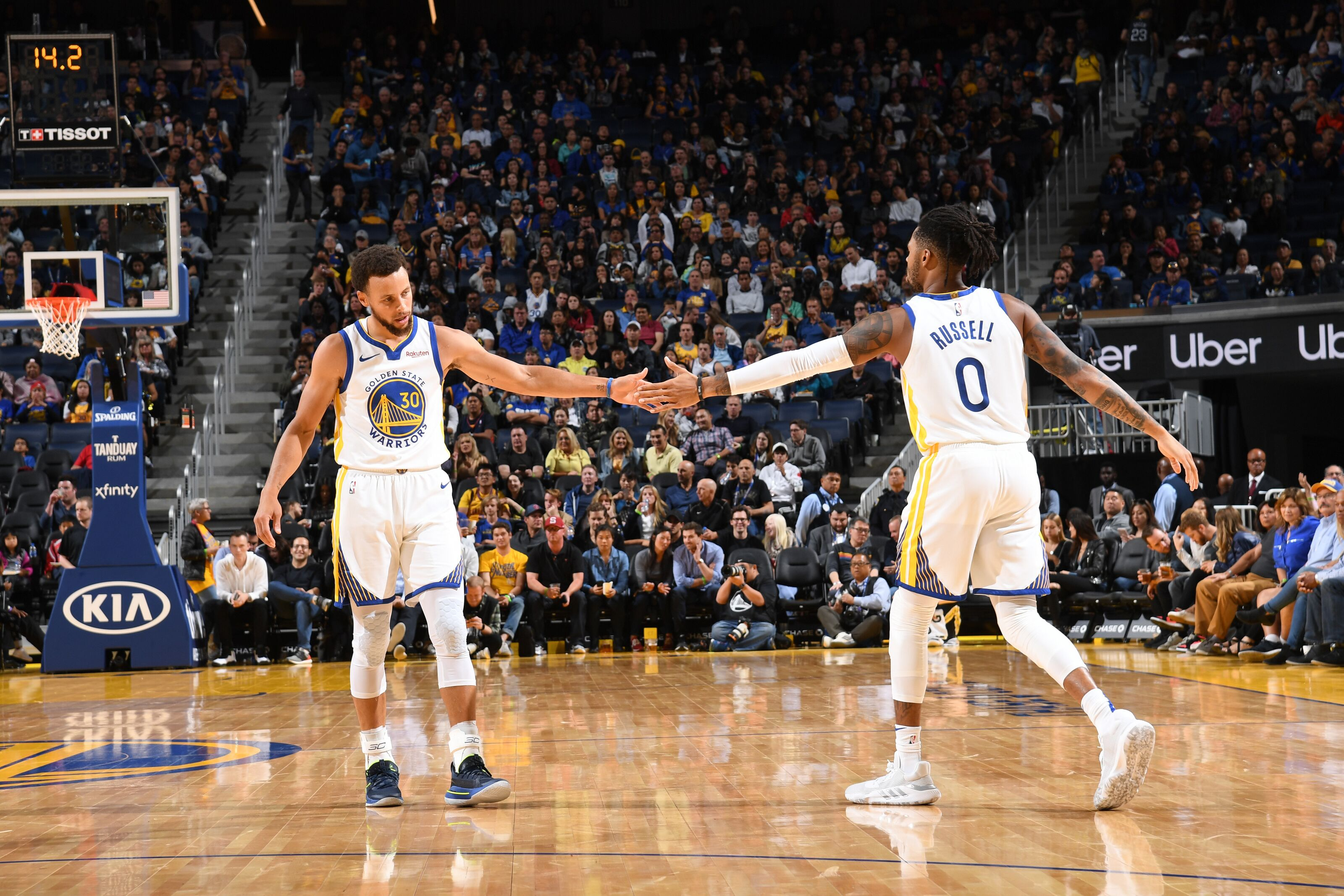 Golden State Warriors: Stephen Curry reminds us of his dominance vs. Wolves