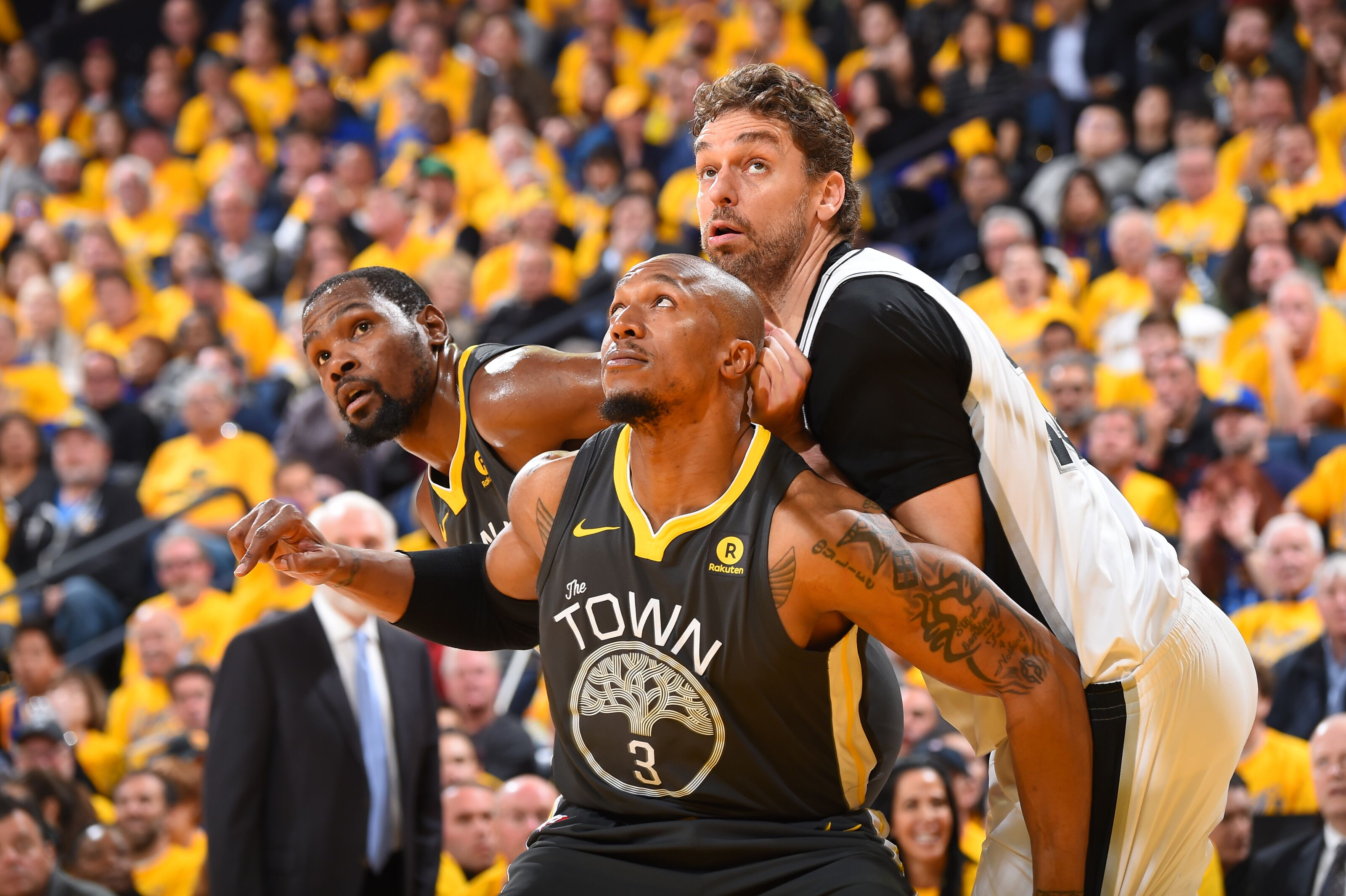 947277444-san-antonio-spurs-v-golden-state-warriors-game-two.jpg