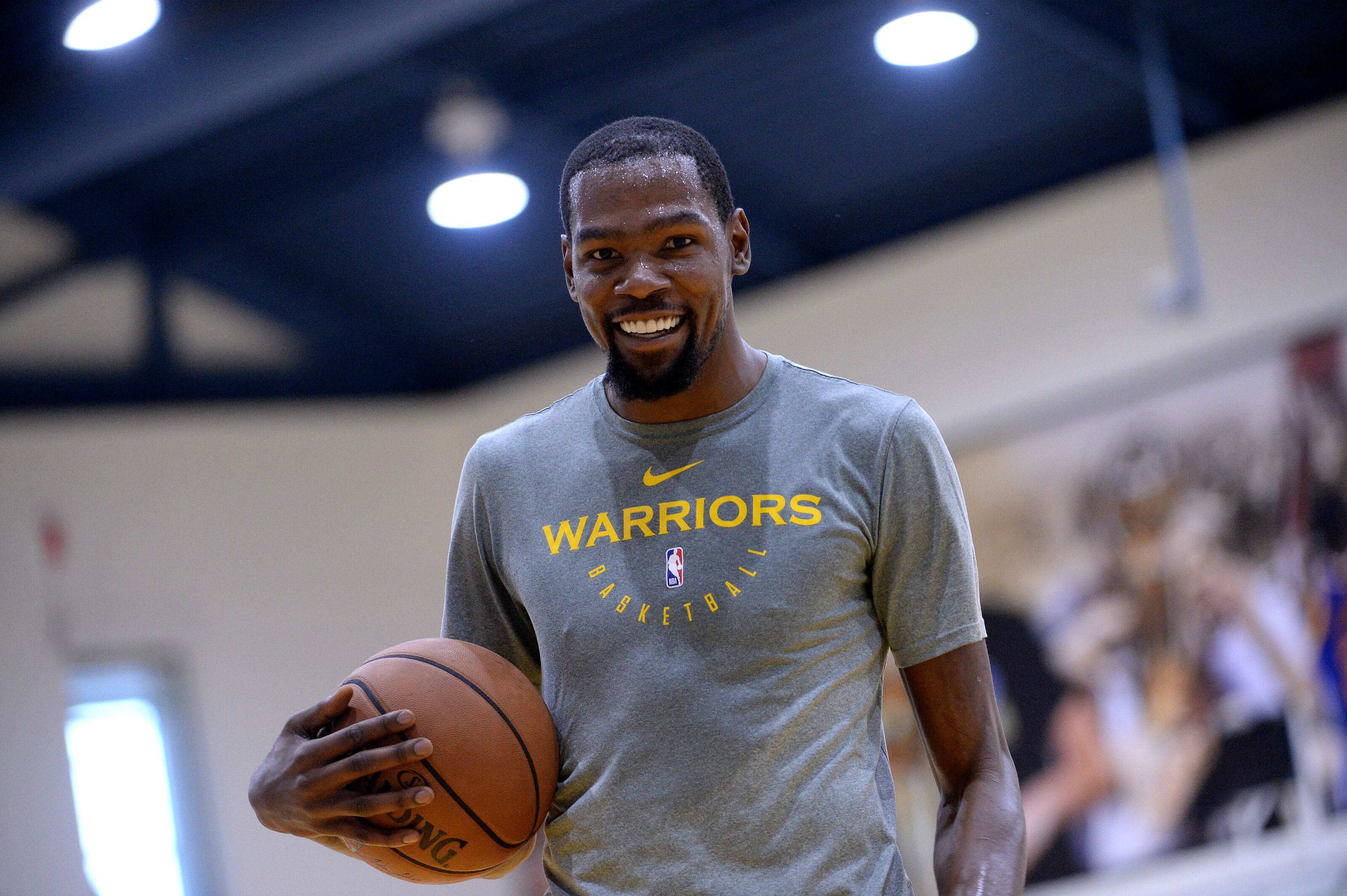 81e35223a Golden State Warriors: Kevin Durant's days of being a