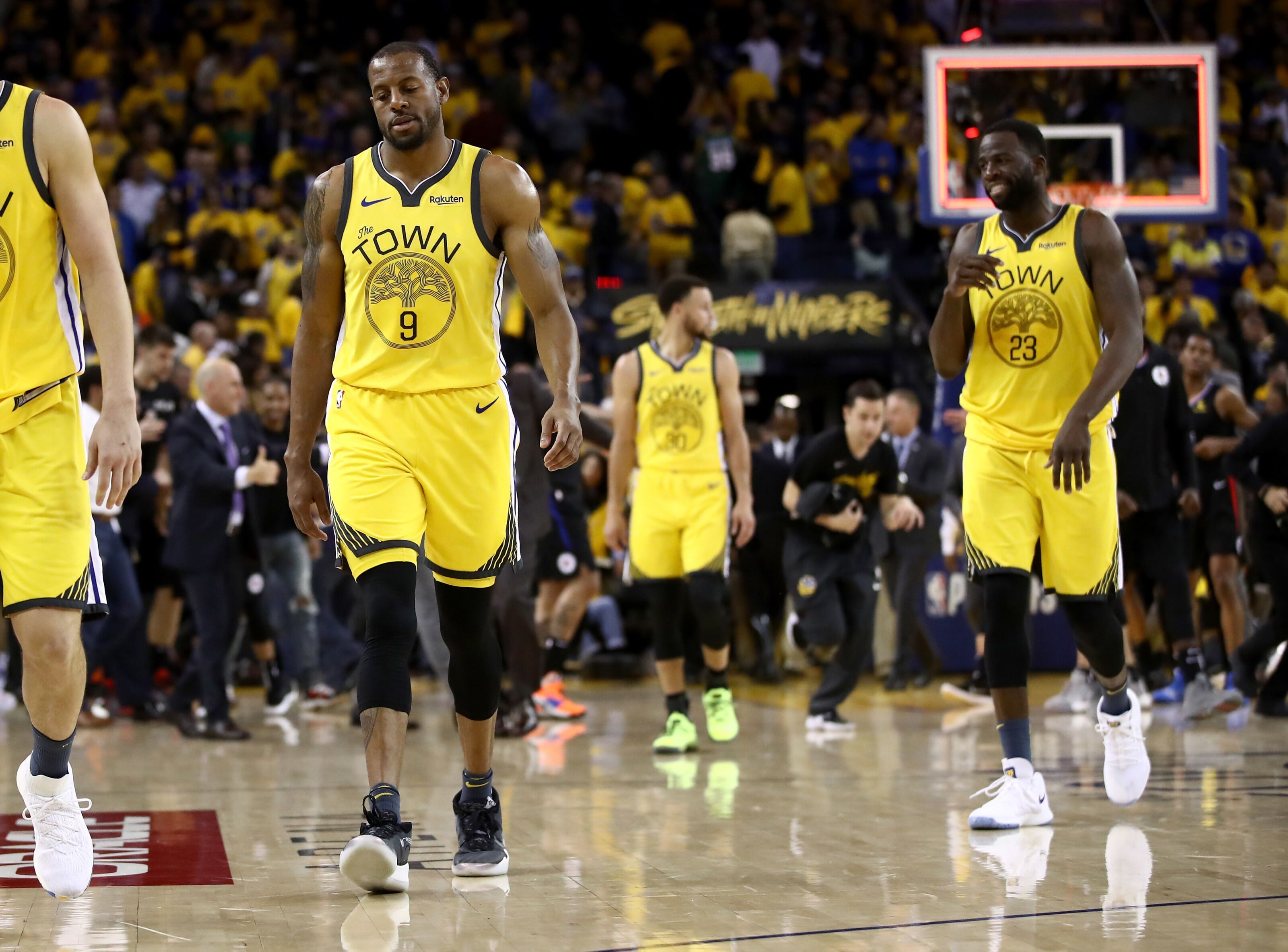 7dceba3aad4 3 adjustments the Golden State Warriors can make in Game 3 vs LAC - Page 2