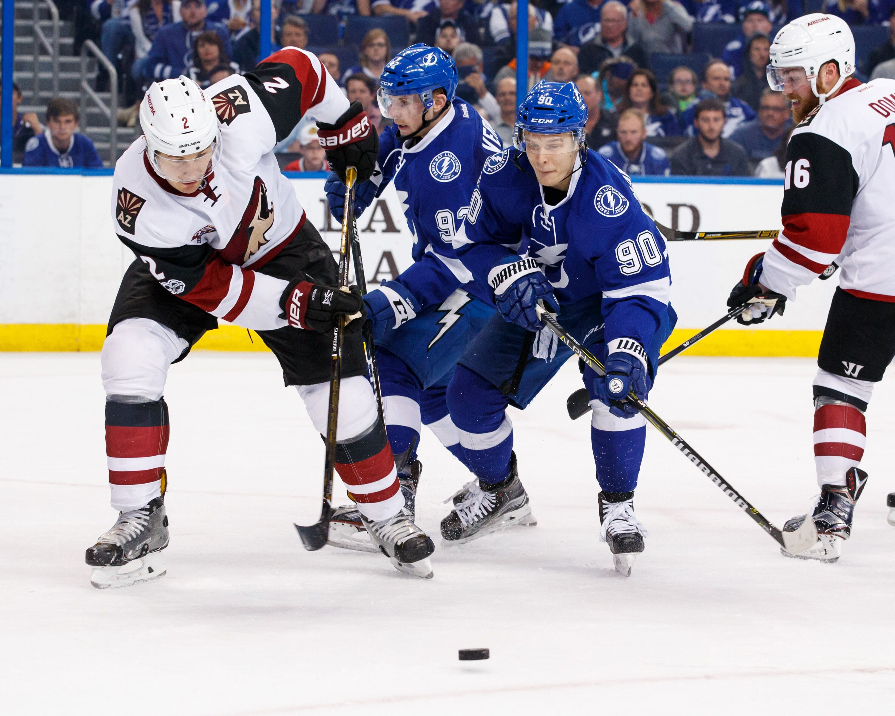 656273888-arizona-coyotes-v-tampa-bay-lightning.jpg