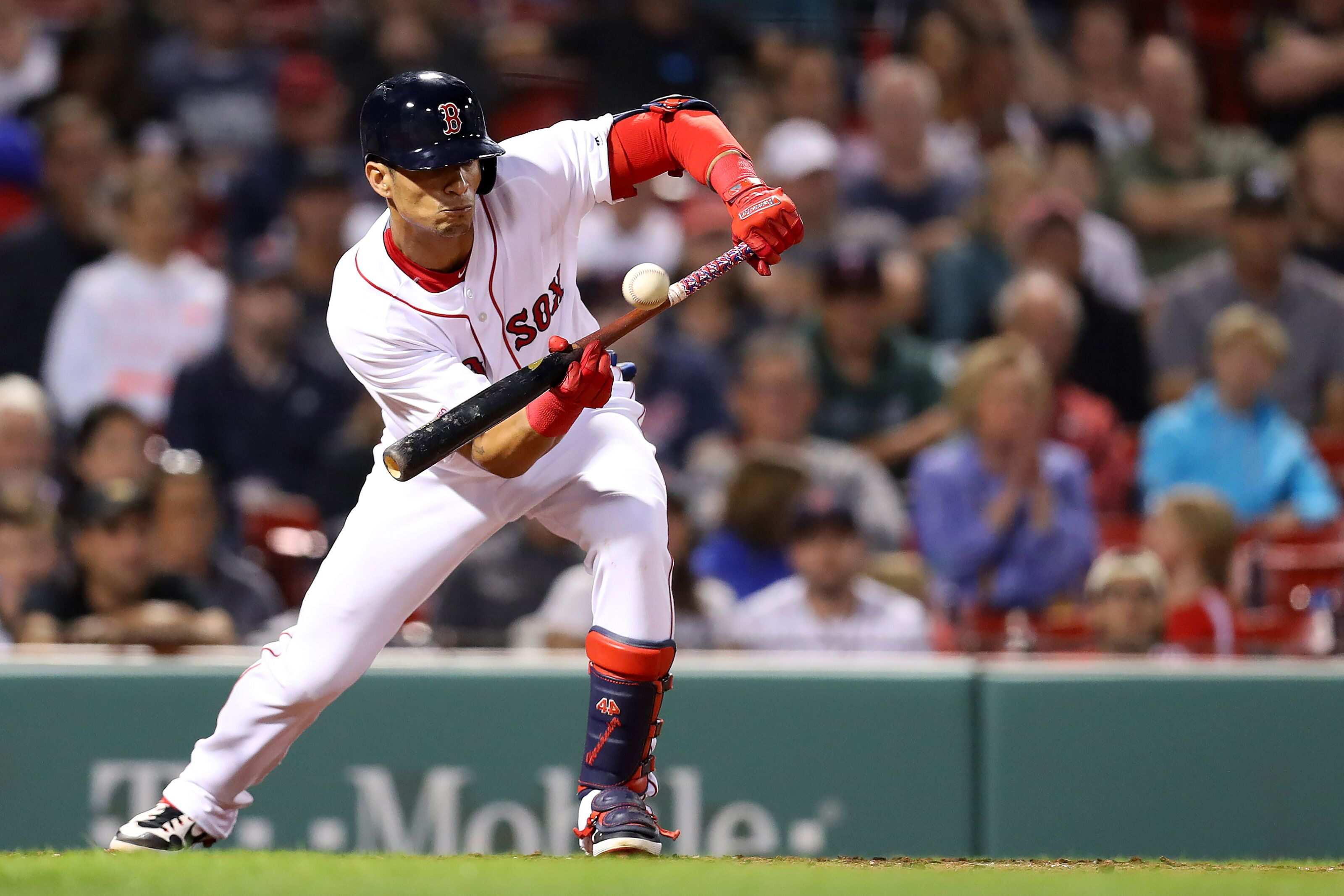 Boston Red Sox begin salary saving 40-man roster exodus