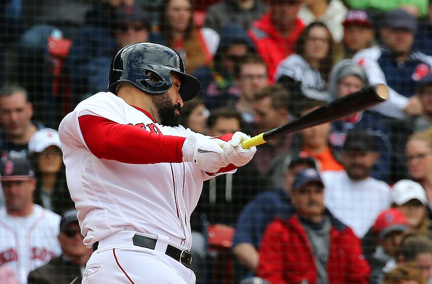 cc9e0f68fb4fa Red Sox reportedly place catcher Sandy Leon on waivers