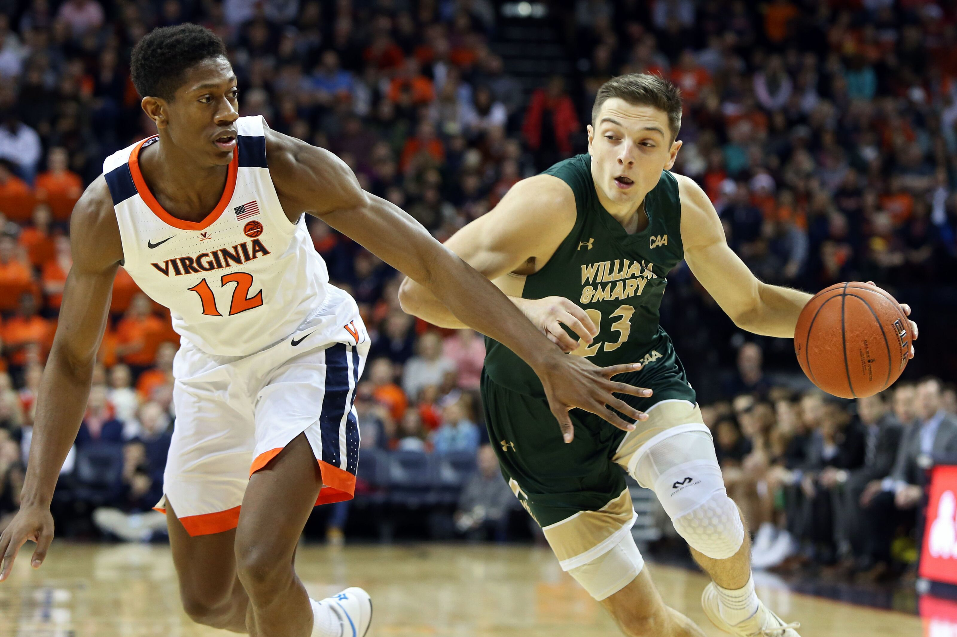 NCAA Basketball: Graduate transfer Justin Pierce down to three schools