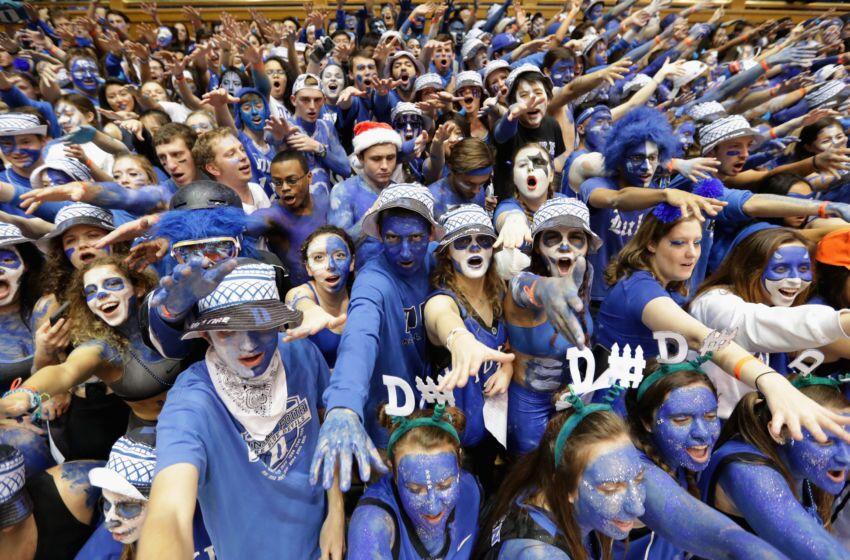 Risultati immagini per college basketball fans
