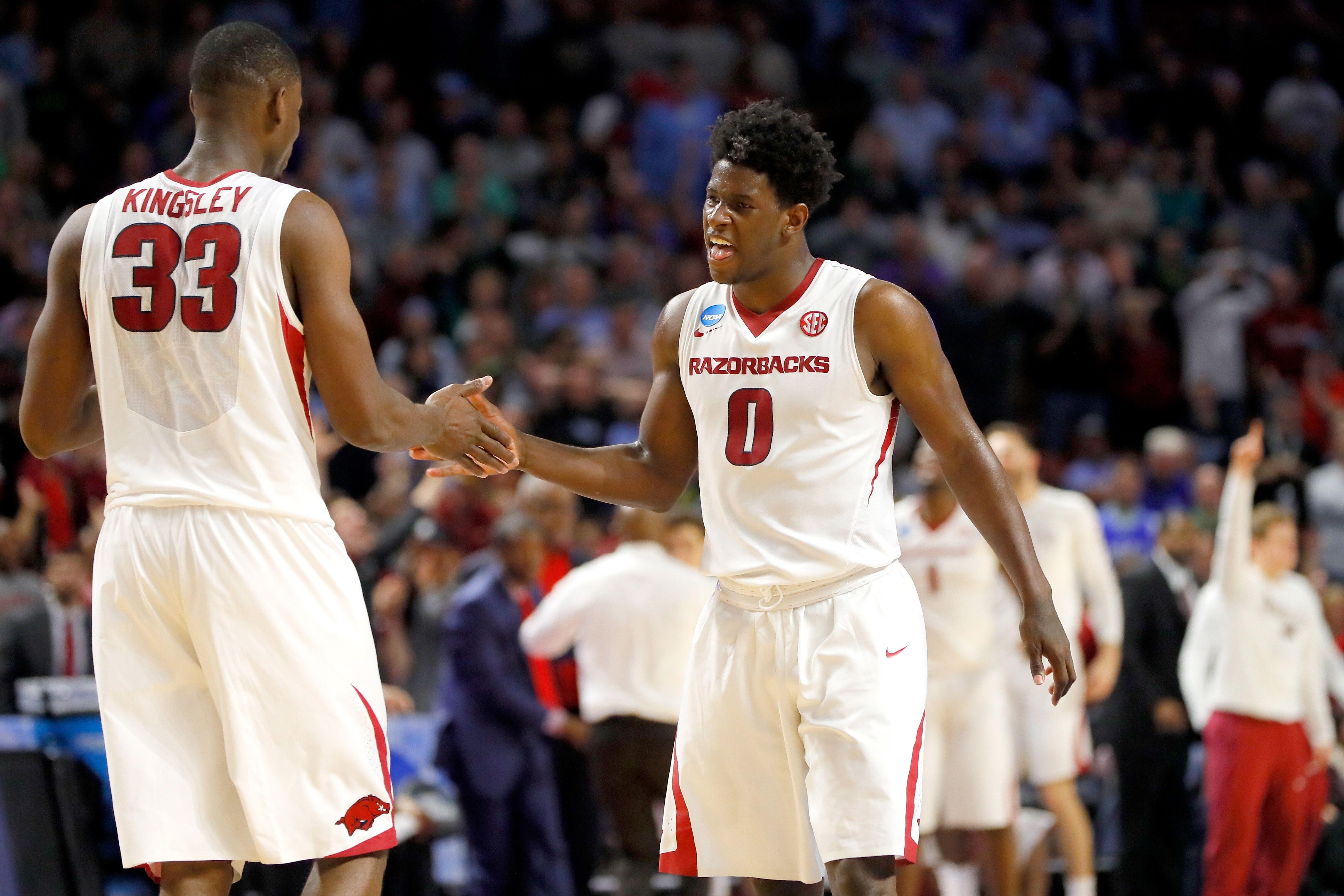 arkansas basketball: can daniel gafford lead the young razorbacks
