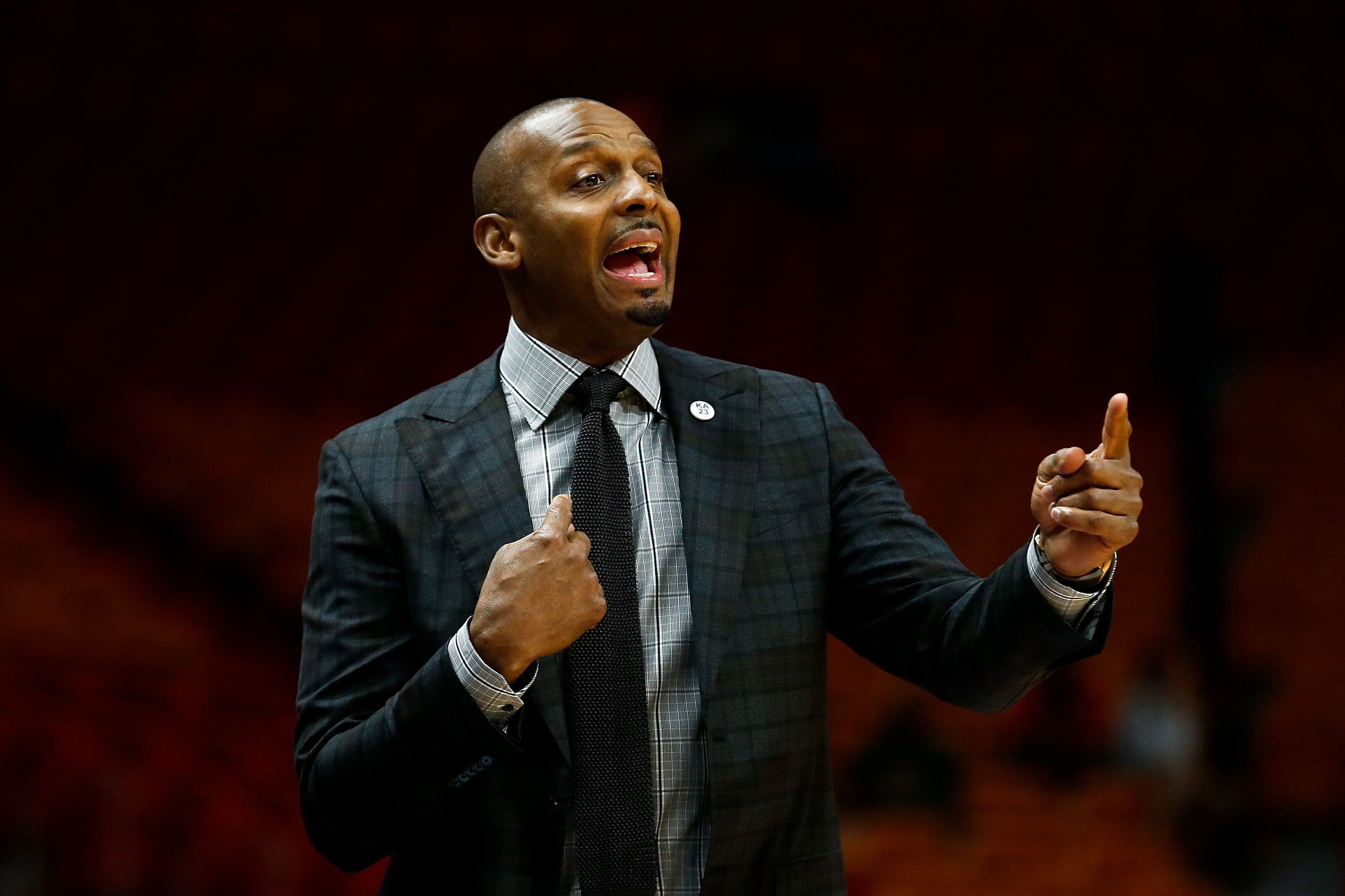 NCAA Basketball: Penny Hardaway rules recruiting's Game of Thrones