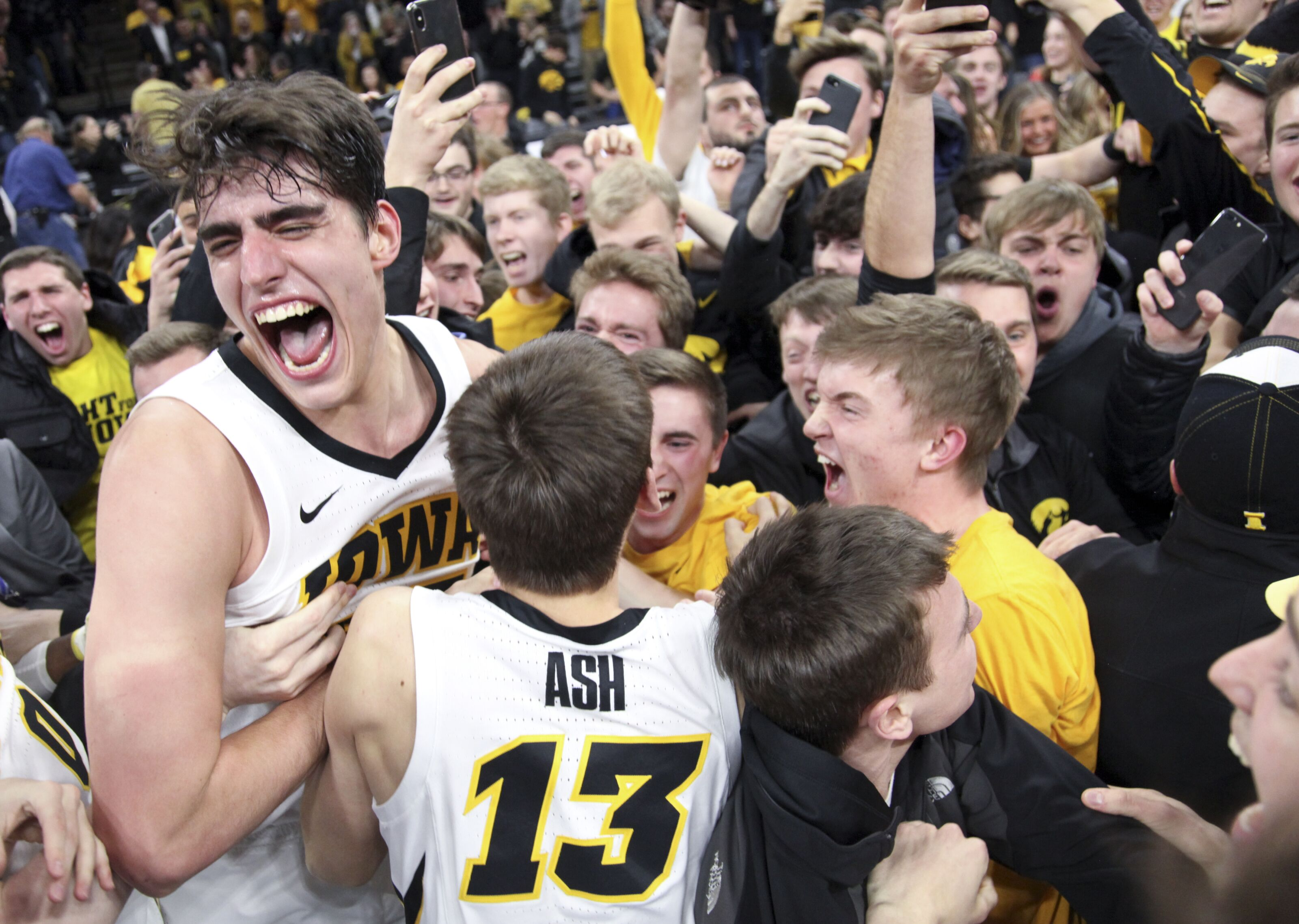Iowa Basketball: 3 keys to Round of 64 upset over Cincinnati
