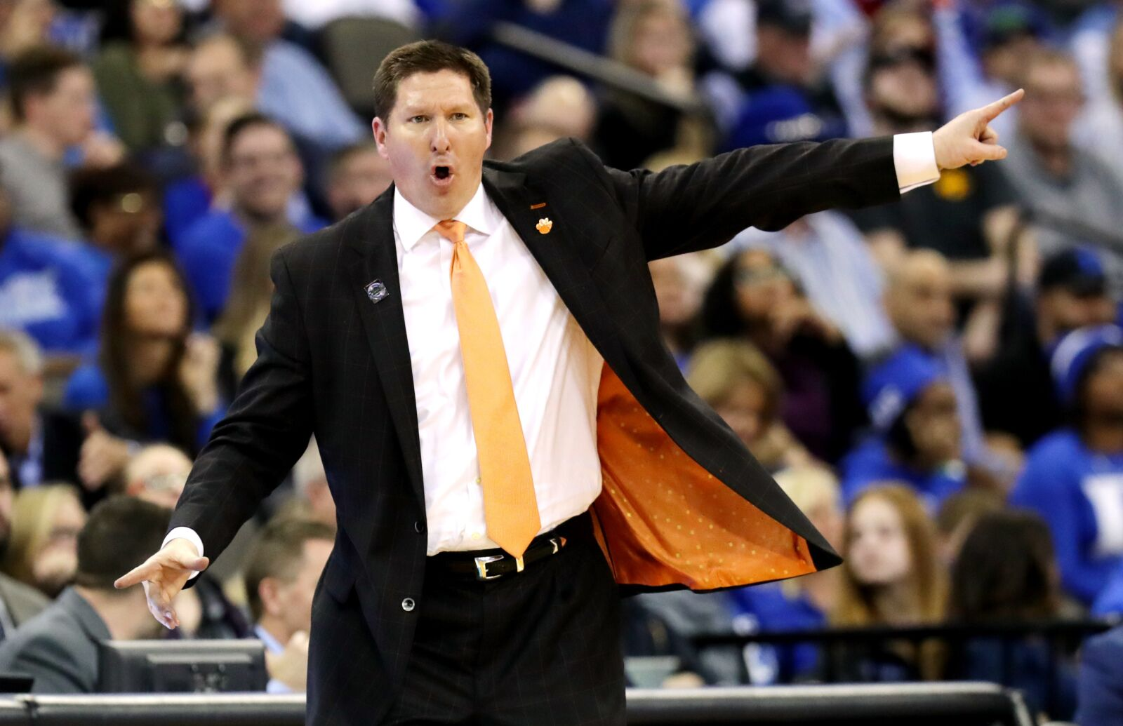 Clemson Basketball: Tigers add potential star player in Khavon Moore