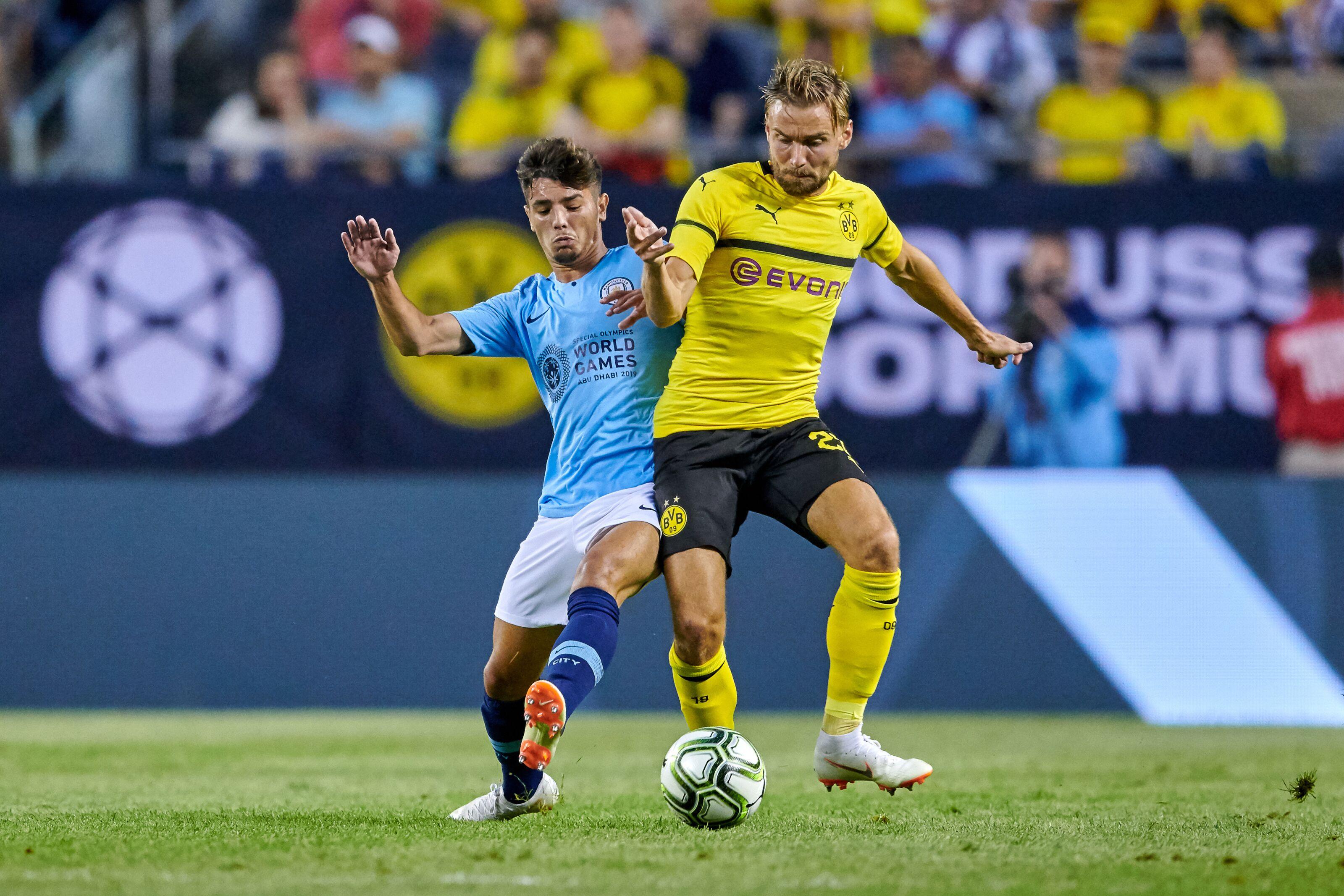 Dortmund mengincar Diaz