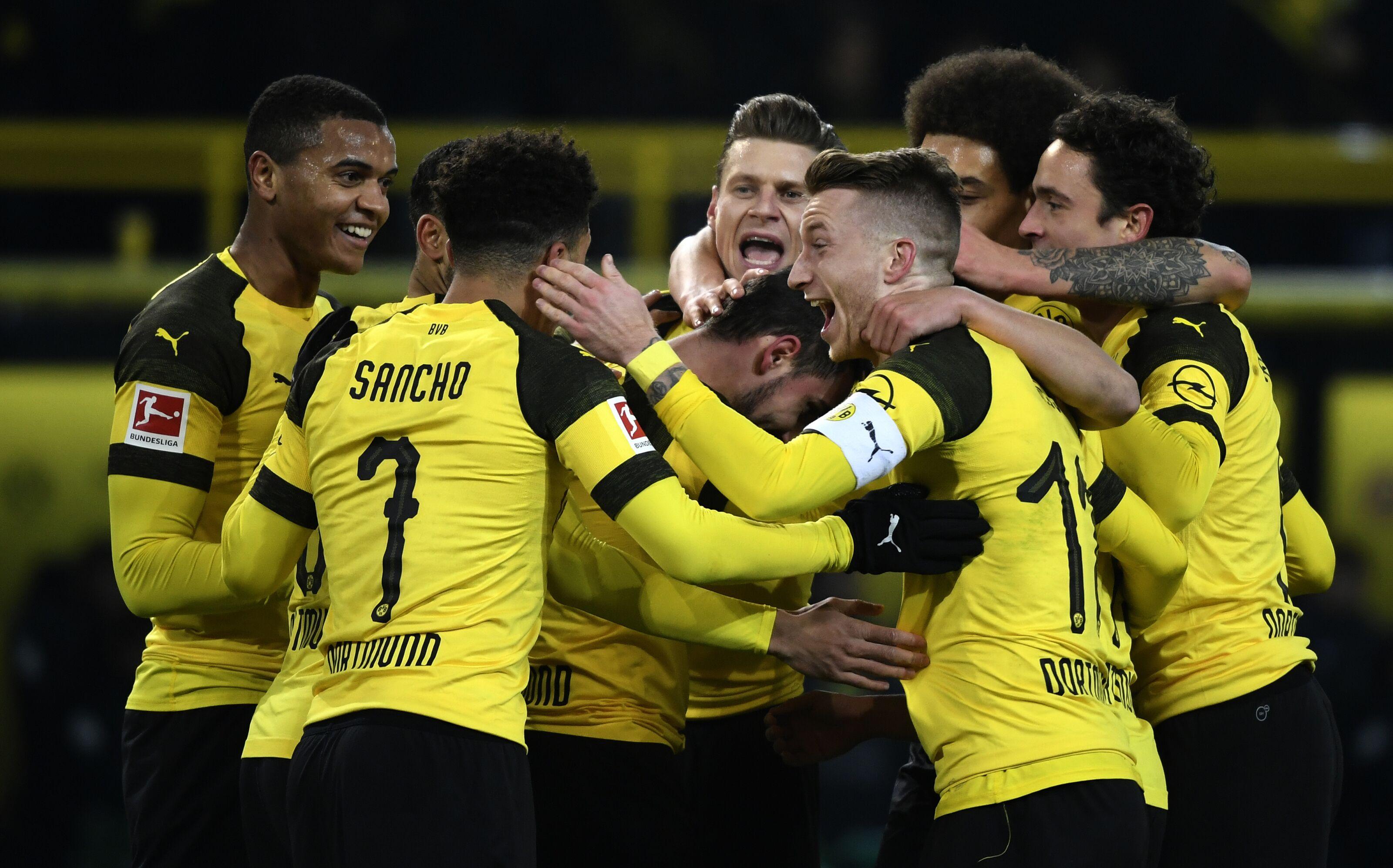 Tottenham encara Dortmund e Barcelona visita o Lyon pela Liga dos Campeões