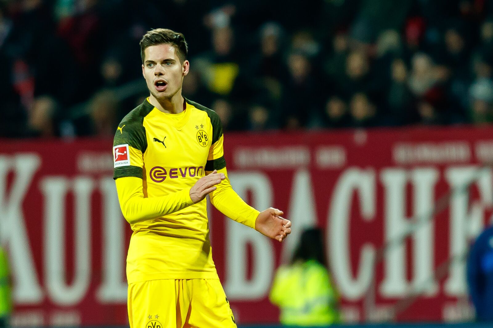 Borussia Dortmund transfer rumor roundup: Price tag set for Weigl, U19 striker joins Nuremberg, Dembele linked with Bayern