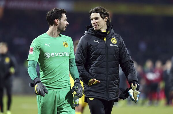 92fc9f021 Borussia Dortmund 2018 2019 Player Ratings  Goalkeepers and Defenders