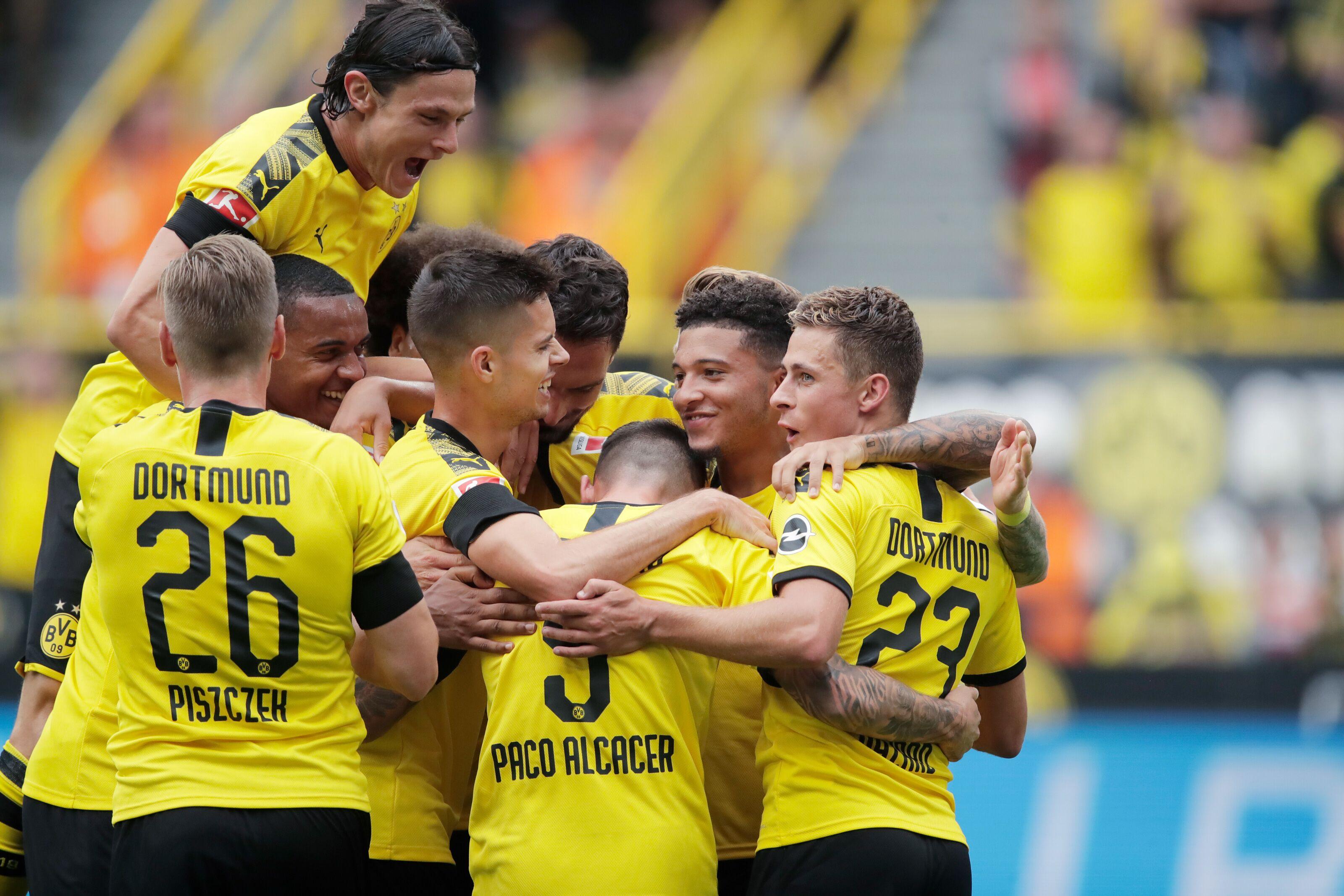 Bundesliga Roundup: Borussia Dortmund get off to flying start