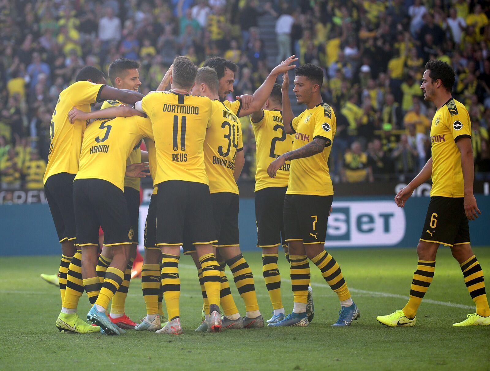 Bundesliga Roundup: Borussia Dortmund thump Leverkusen, Mönchengladbach win Rhineland derby