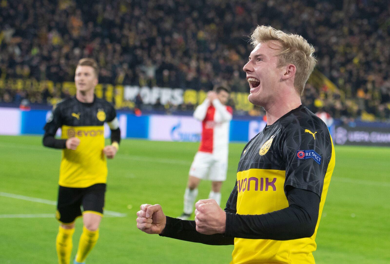 Borussia Dortmund through to Champions League knockout rounds with narrow win over Slavia Praha