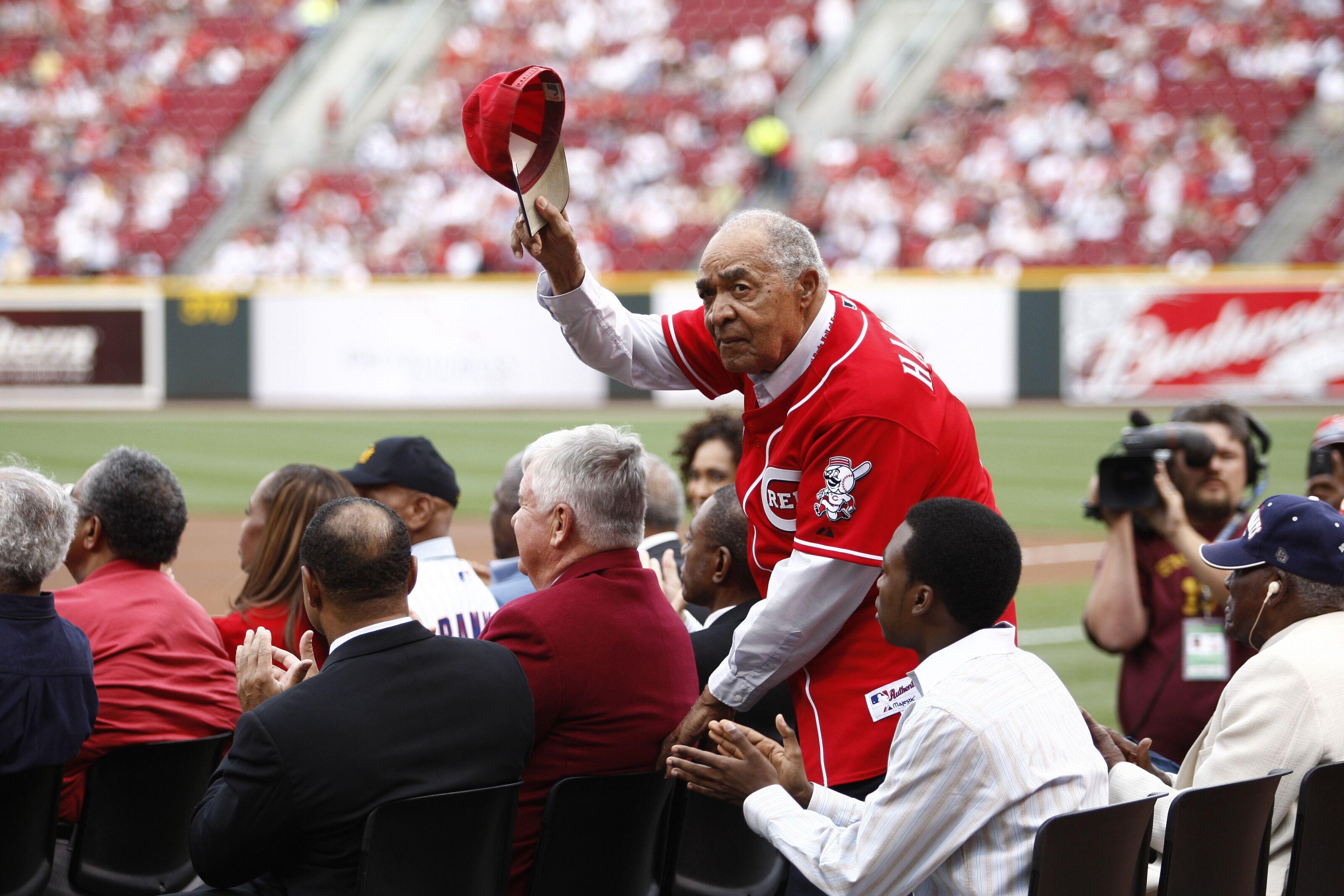 Cincinnati Reds: Chuck Harmon passes away at 94 years old