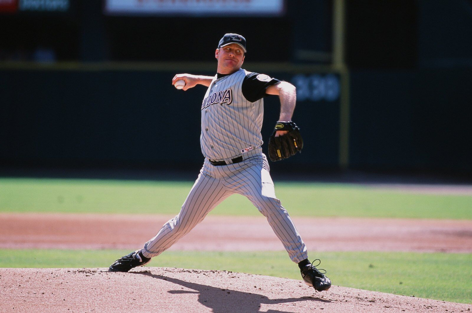 Arizona Diamondbacks legend Curt Schilling mulling run for Congress