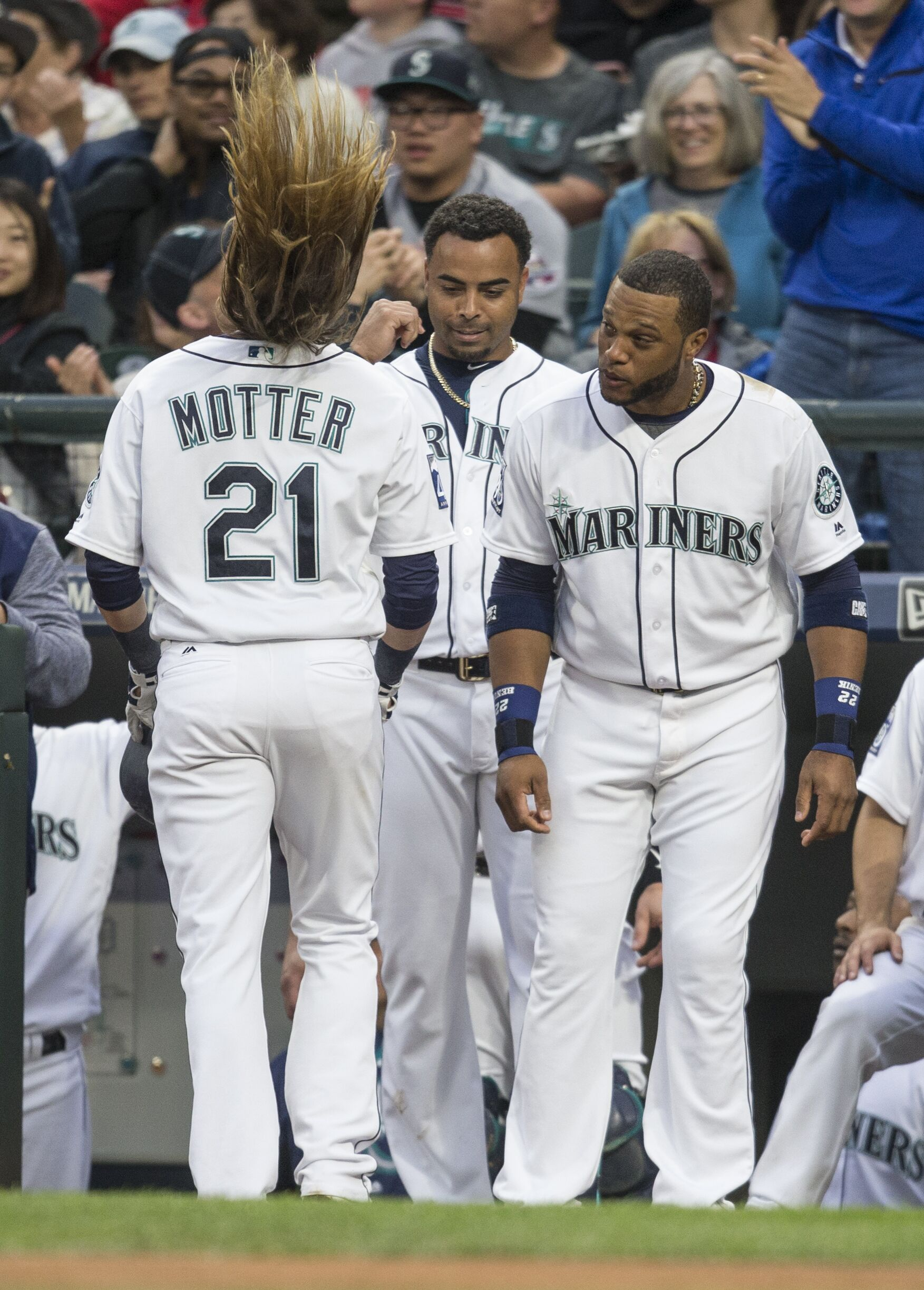 Seattle Mariners Taylor Motter picked off, sent to the minors