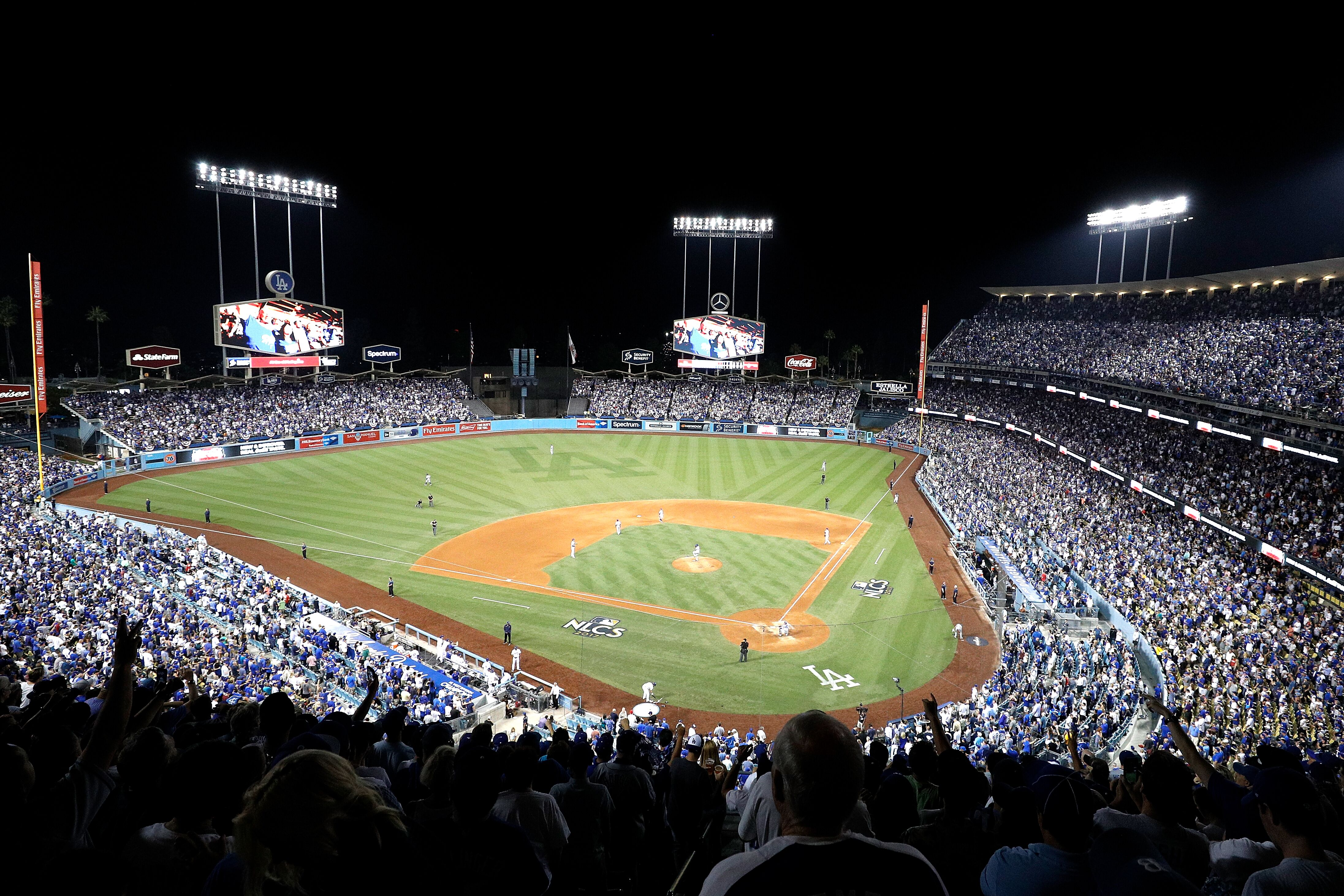 861811834-league-championship-series-chicago-cubs-v-los-angeles-dodgers-game-two.jpg