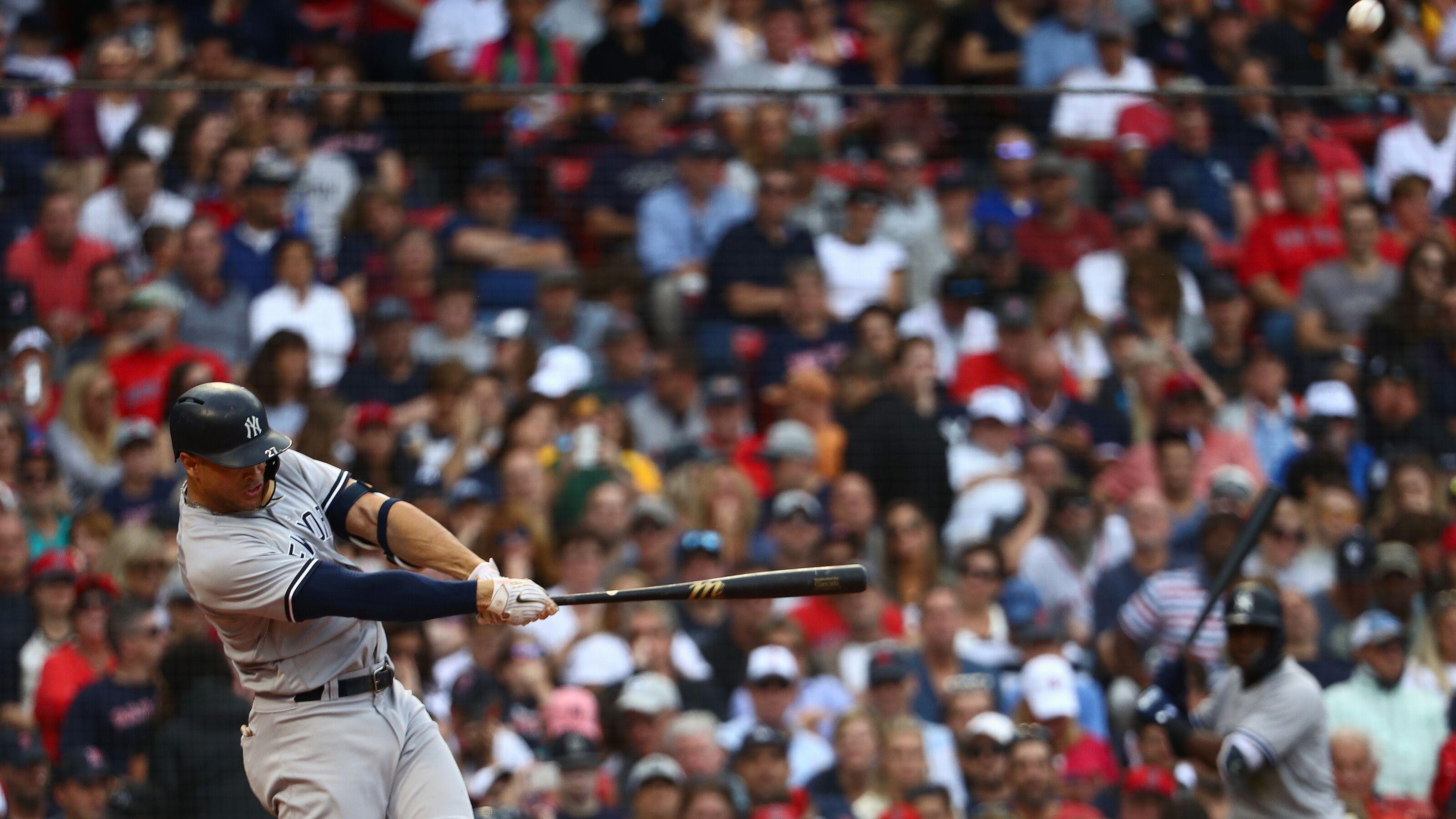 49f631ecb92 New York Yankees  Bronx Bombers hit their 265th home run to set a new single -season MLB team record