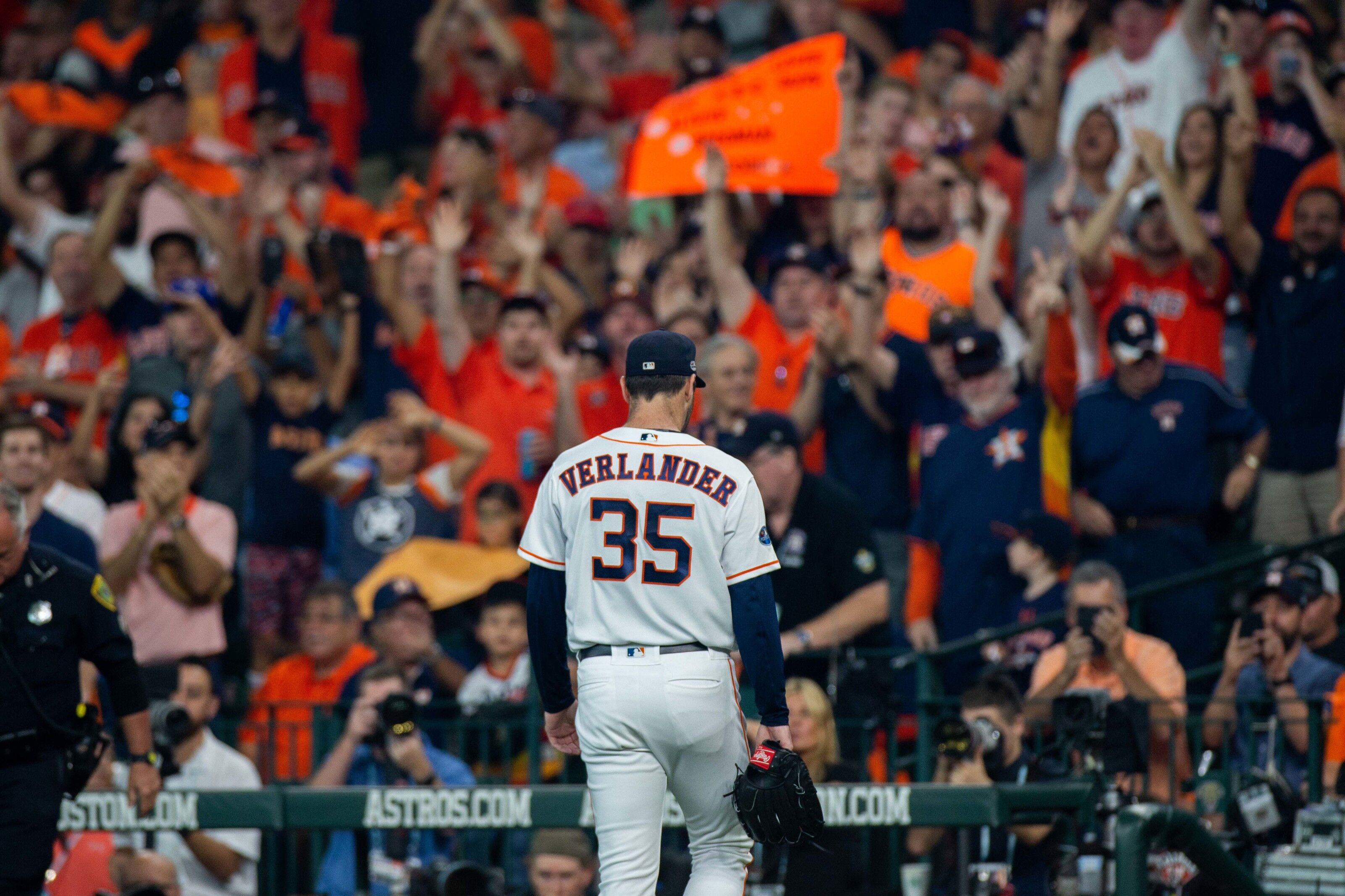 Houston Astros: Age and the Justin Verlander extension talks