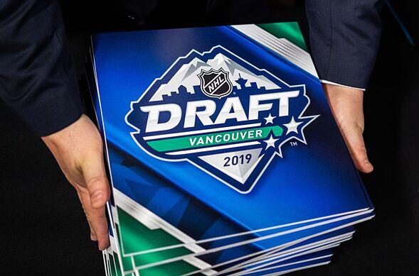 Carolina Hurricanes: Who to take in the NHL Draft 1st Round?