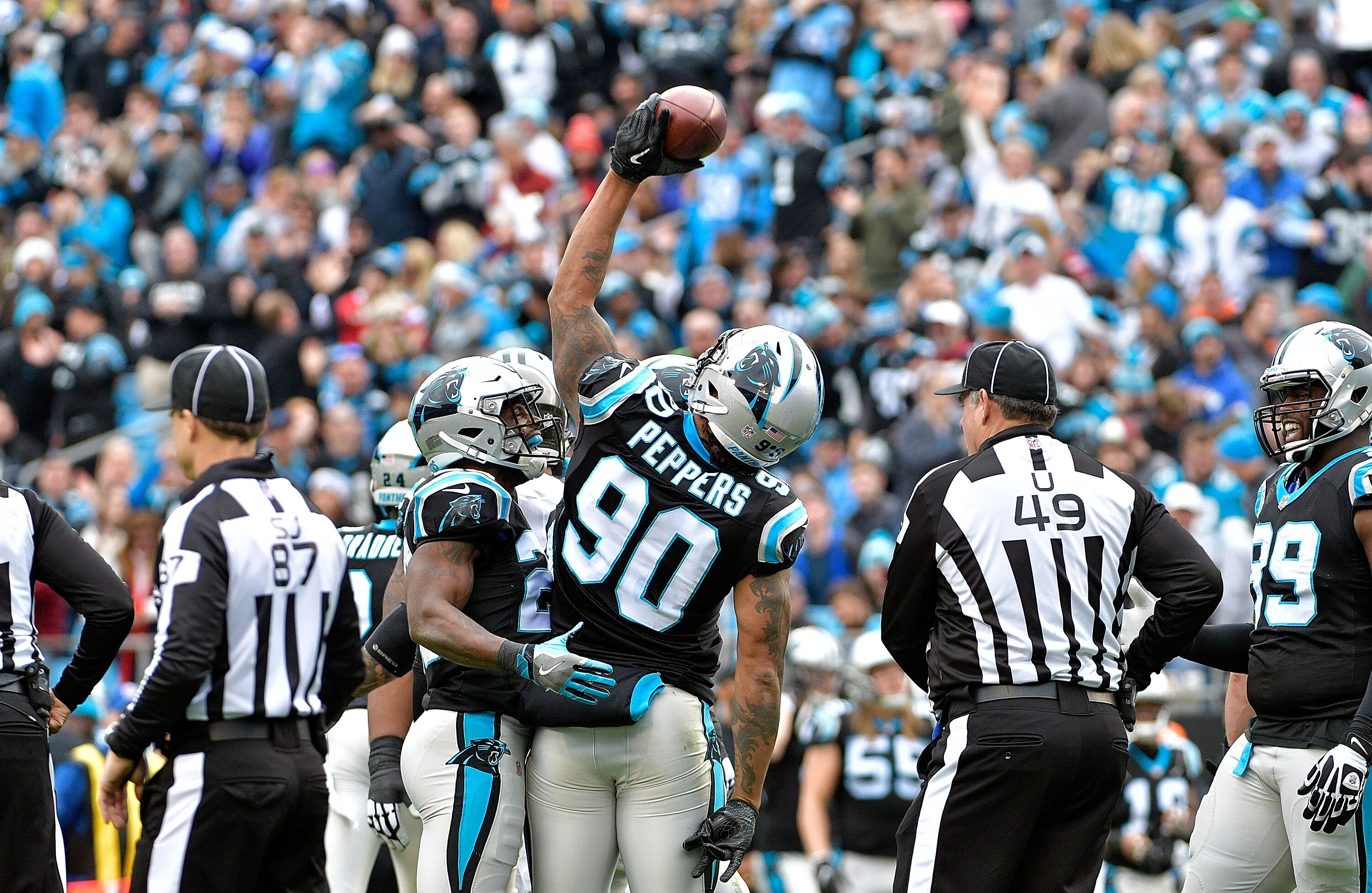 Carolina Panthers punch playoff ticket with 22-19 win