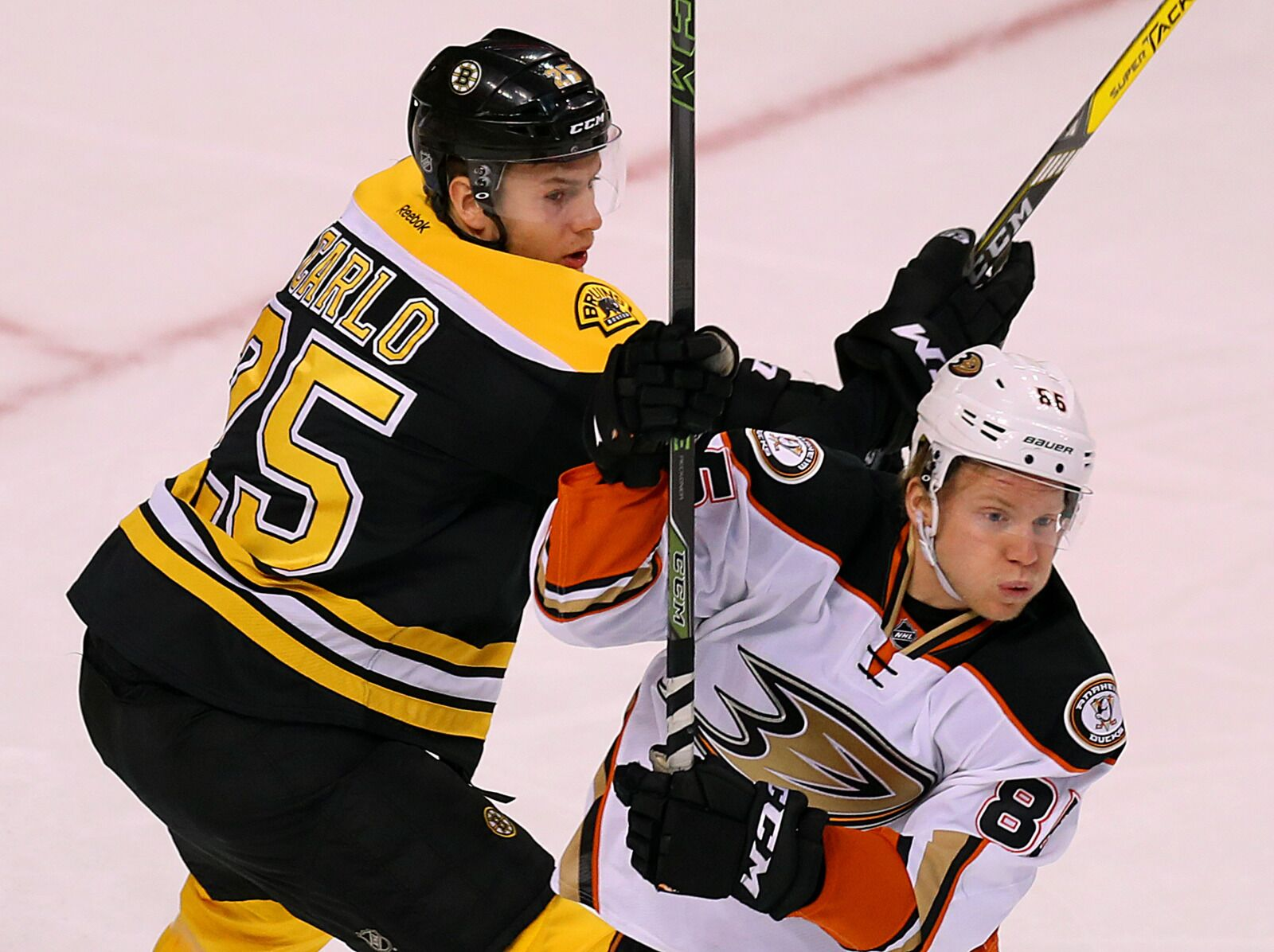 Boston Bruins: How will they handle Ondrej Kase against the Ducks?