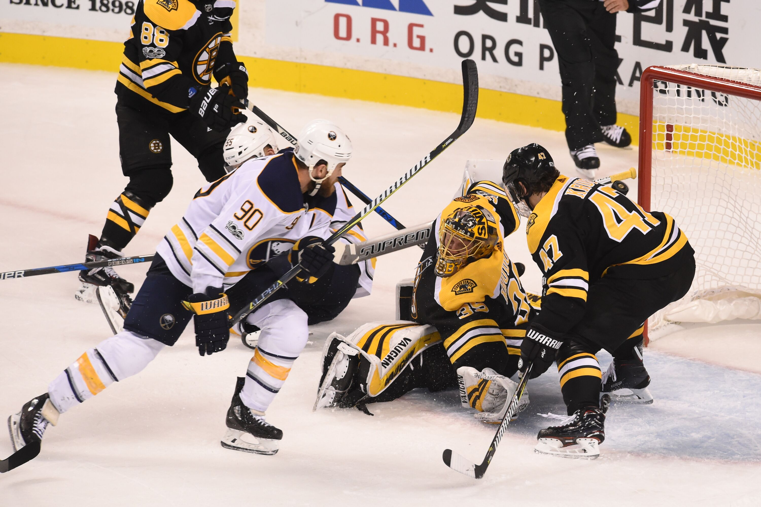 864816504-buffalo-sabres-v-boston-bruins.jpg