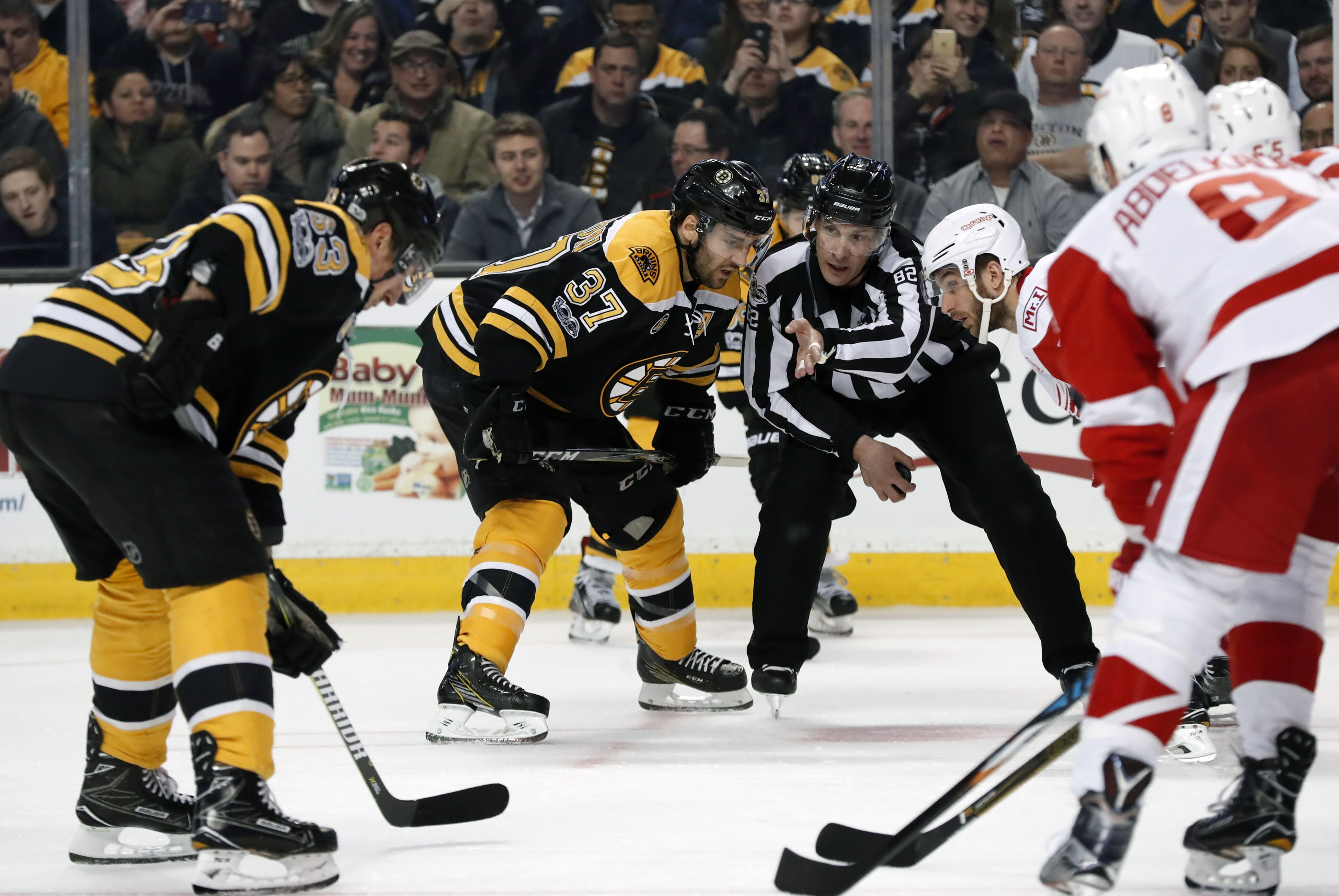 653425704-nhl-mar-08-red-wings-at-bruins.jpg