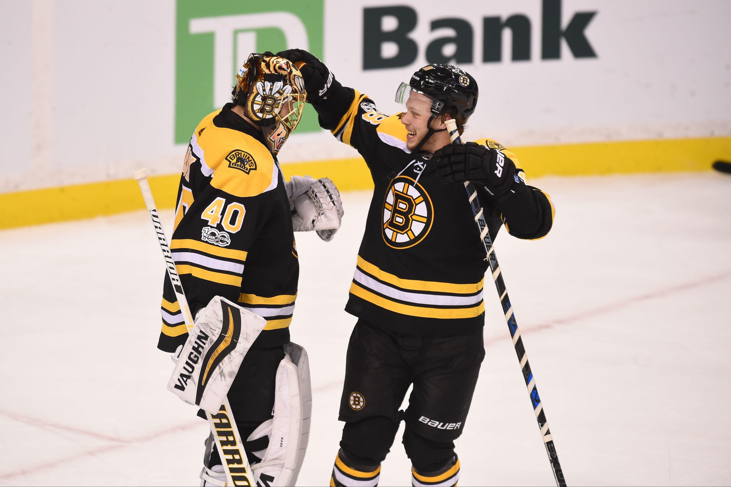 889122576-new-york-islanders-v-boston-bruins.jpg