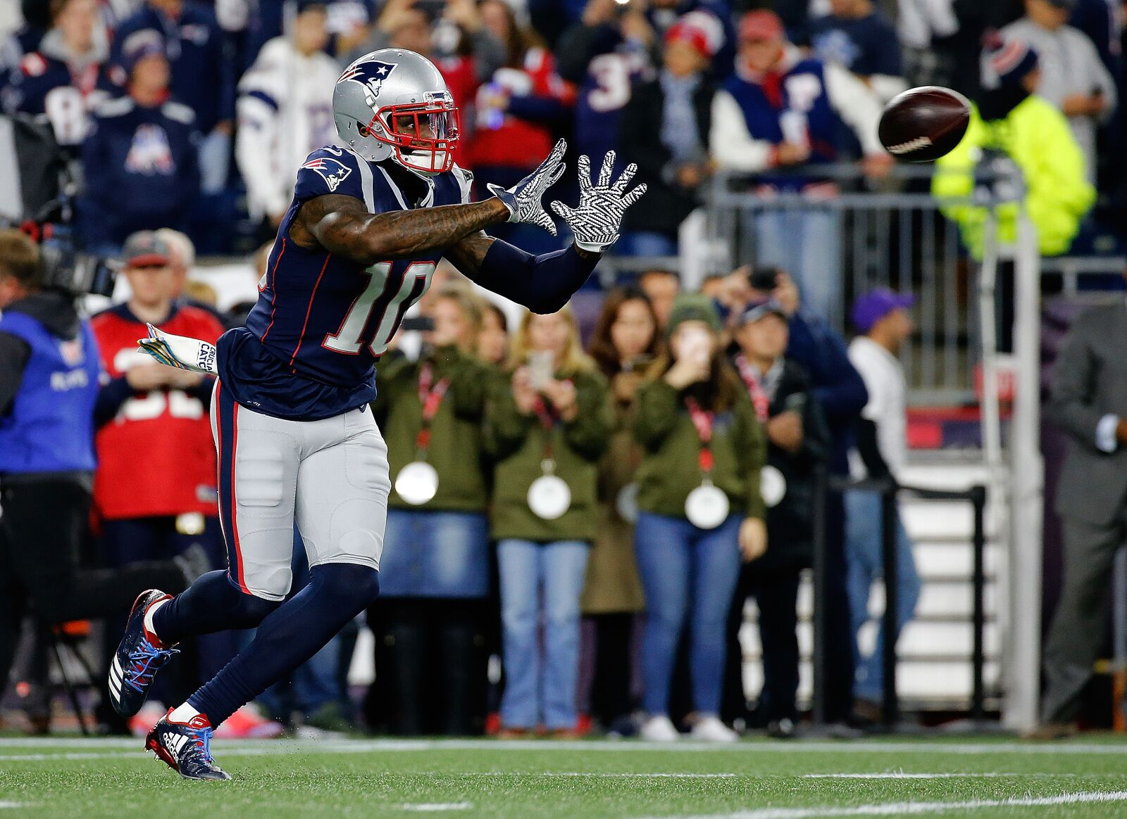 New England Patriots: Josh Gordon isn't going anywhere