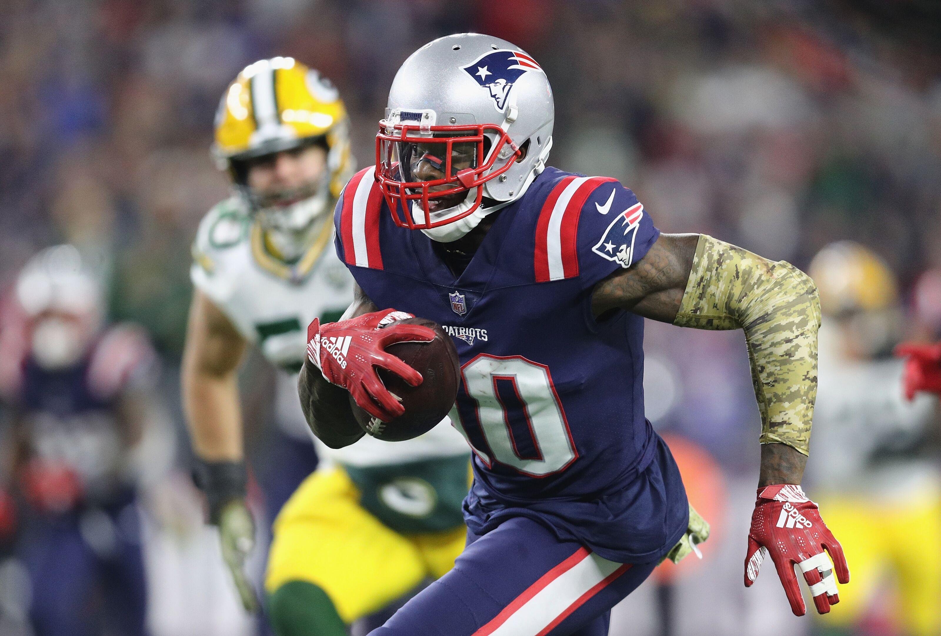 pretty nice 85cfb 771a1 New England Patriots: Josh Gordon breaking out into elite status