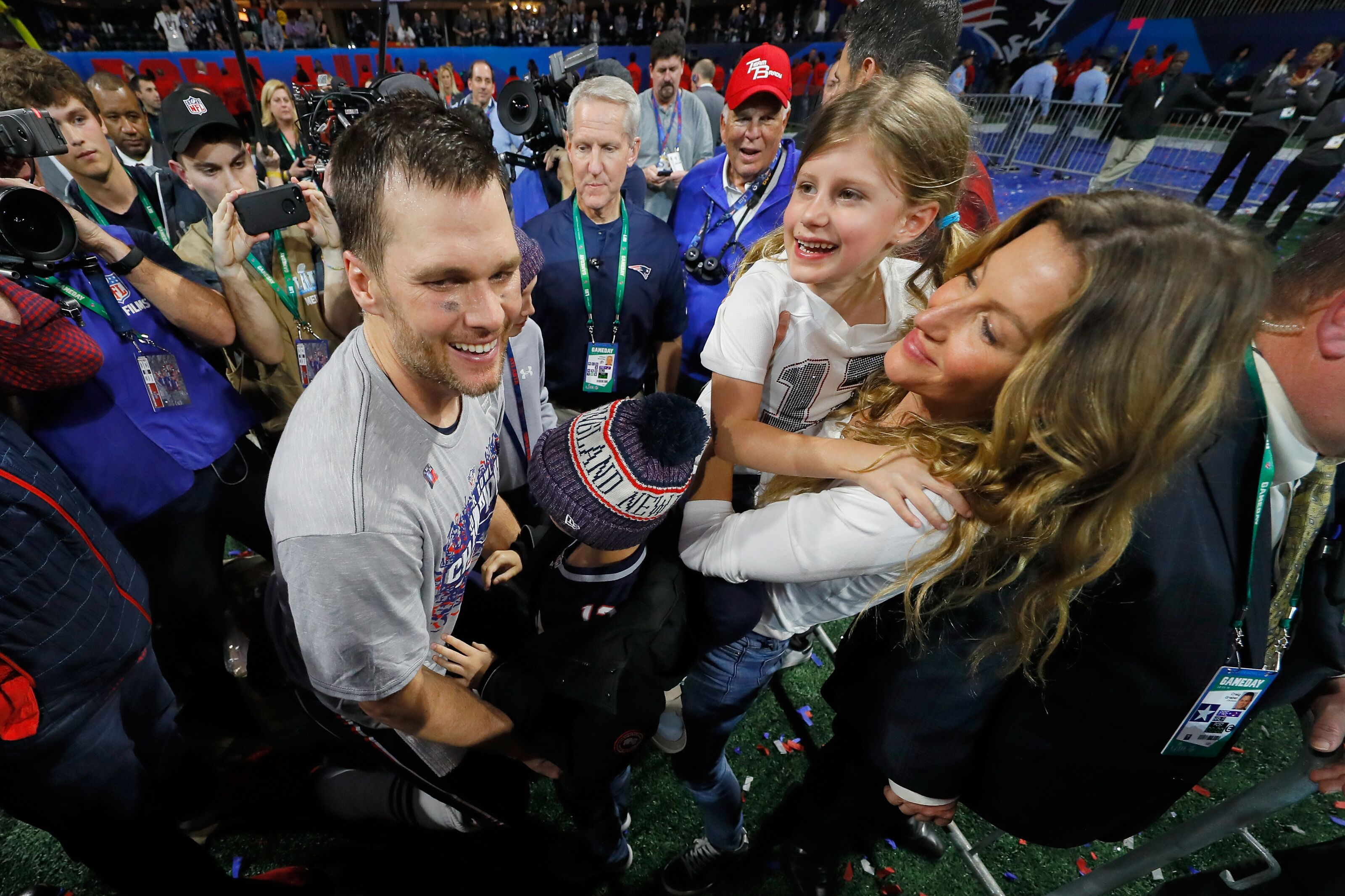 New England Patriots: The internet is mad at Tom Brady again