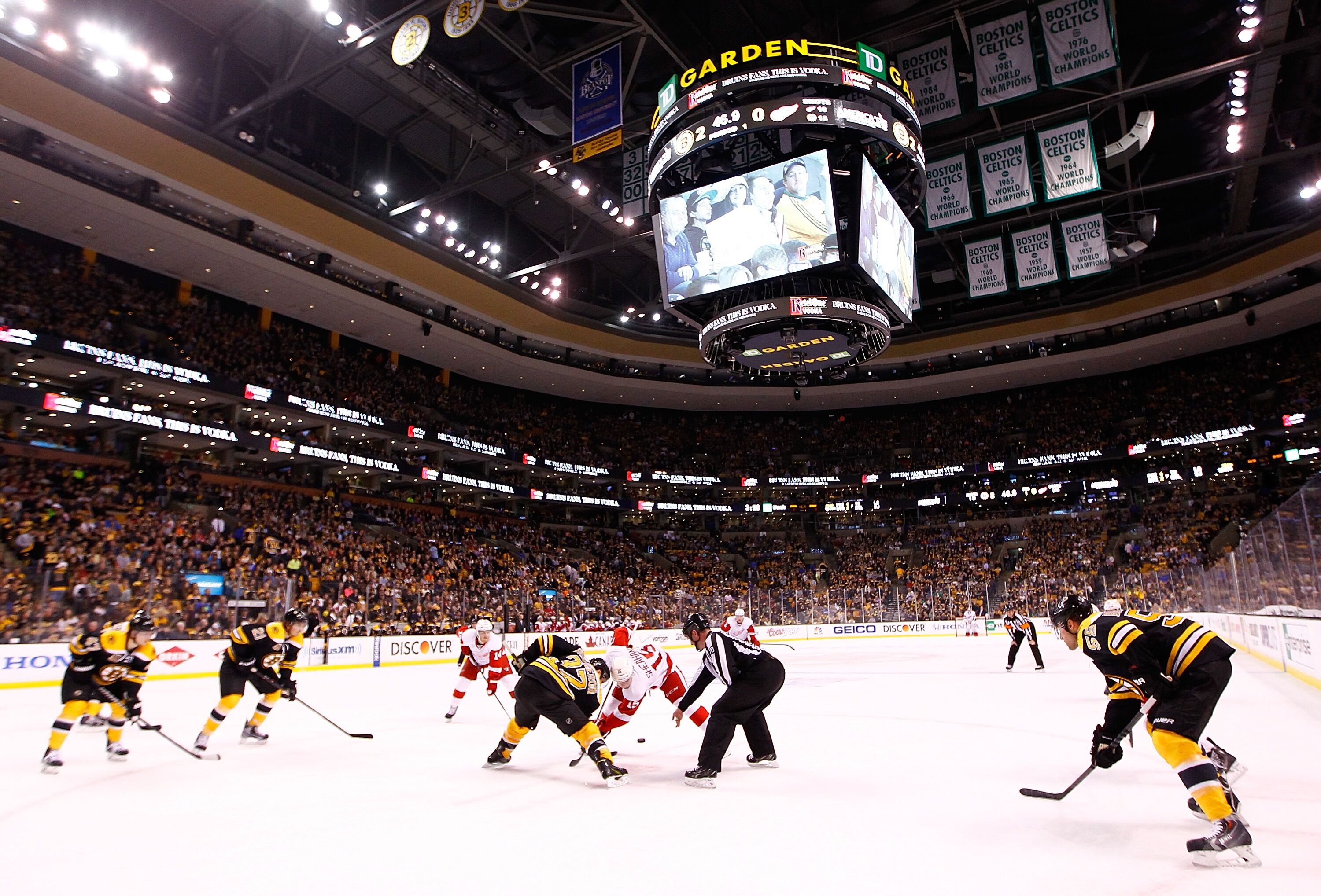 Boston Bruins 2018 schedule roadmap  Games that should not be missed 97e19078d
