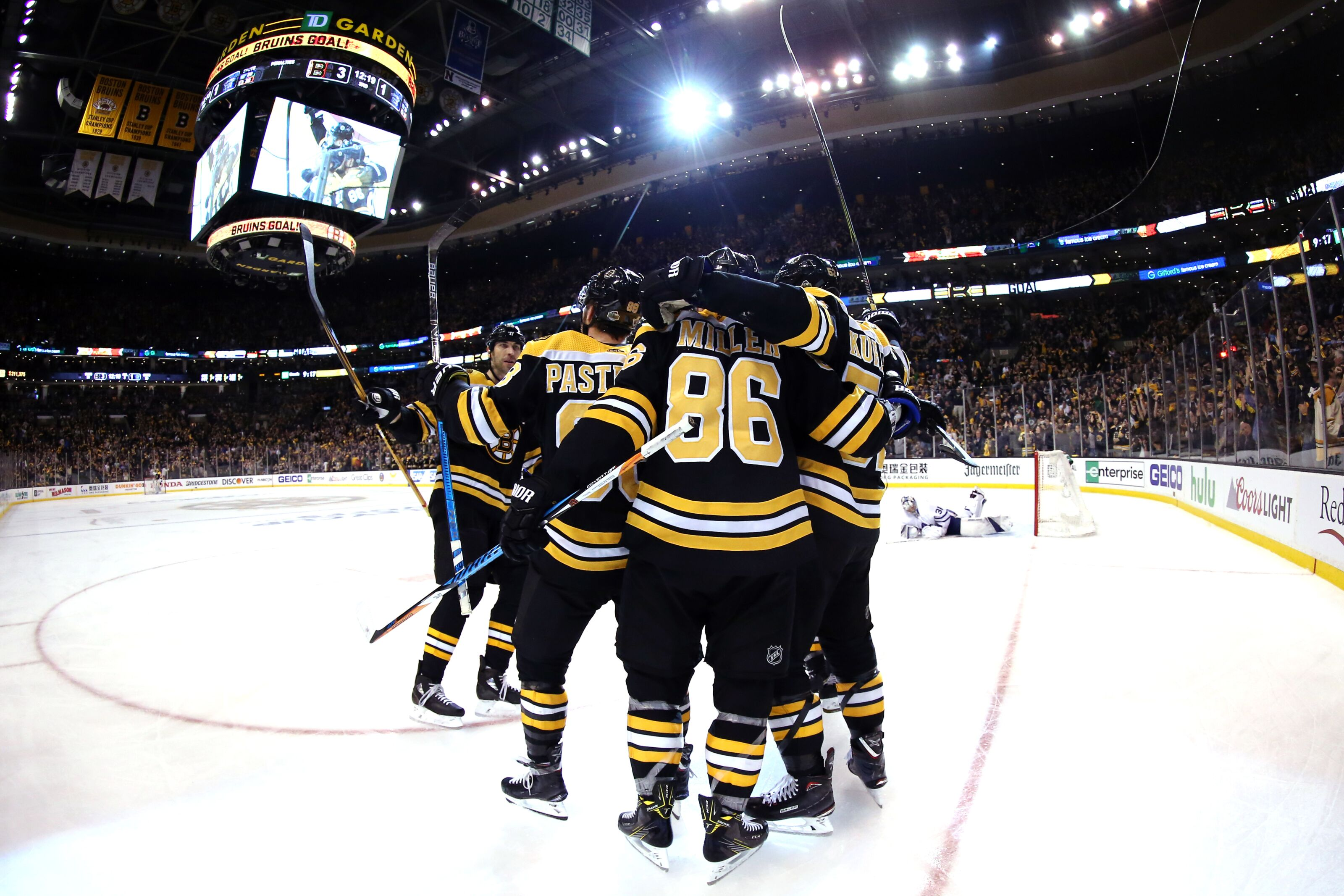 945519906-toronto-maple-leafs-v-boston-bruins-game-one.jpg