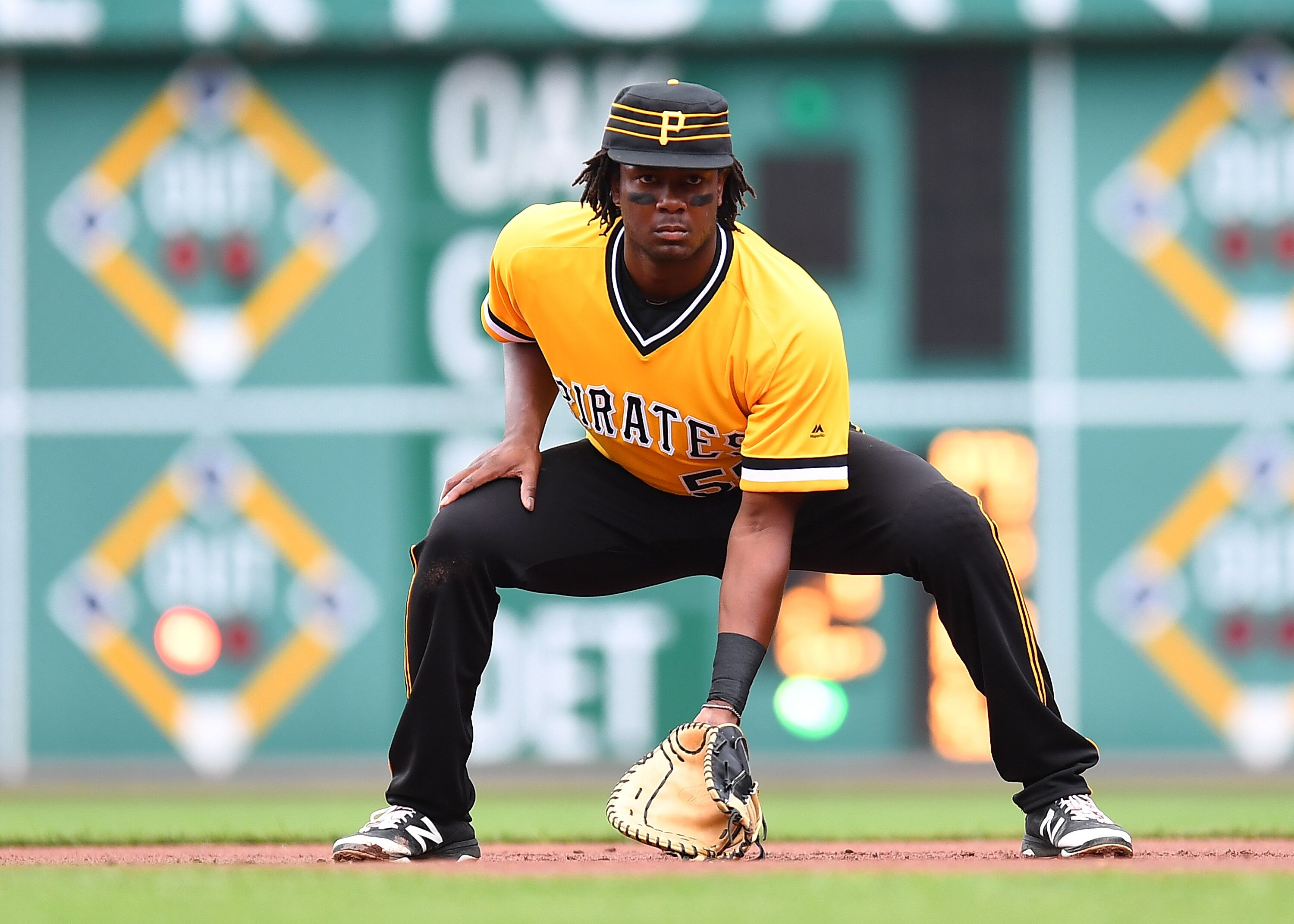 Pittsburgh Pirates: Is Josh Bell Bucs' Most Underrated Player?